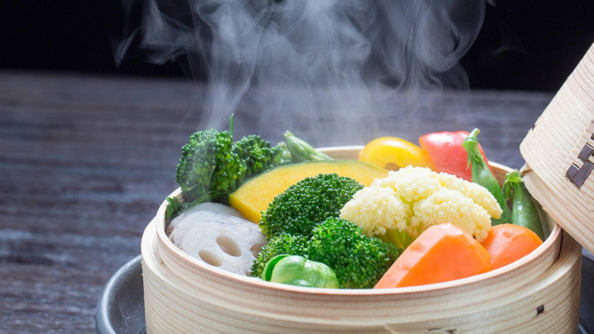 Dampfgaren beschert Dir leckere Gerichte, die durch die schonende Zubereitung auch noch super gesund sind.