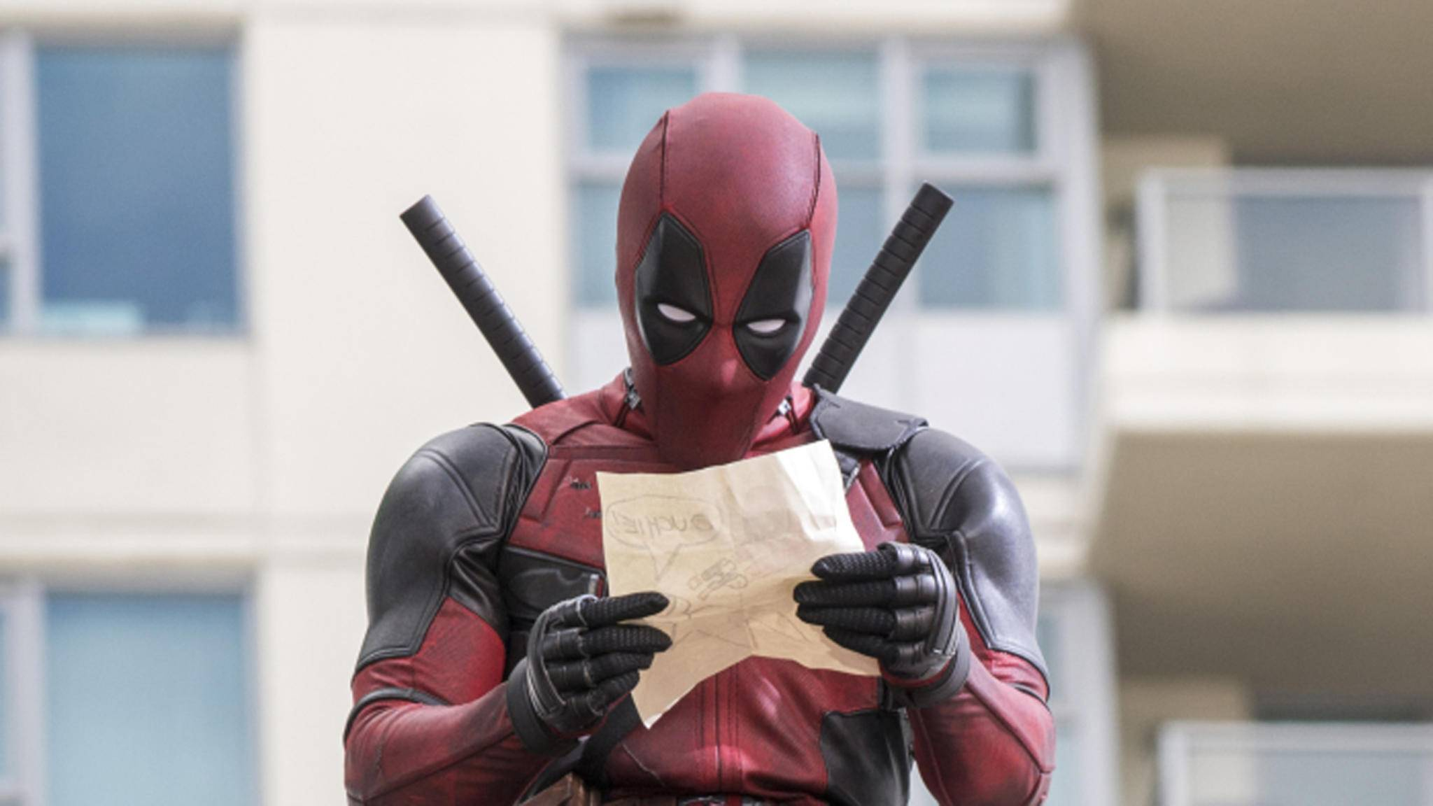 """Er hat es schon wieder getan! Deadpool hat sich erneut """"künstlerisch"""" ausgetobt – auf Kosten von Cable-Mime Josh Brolin."""