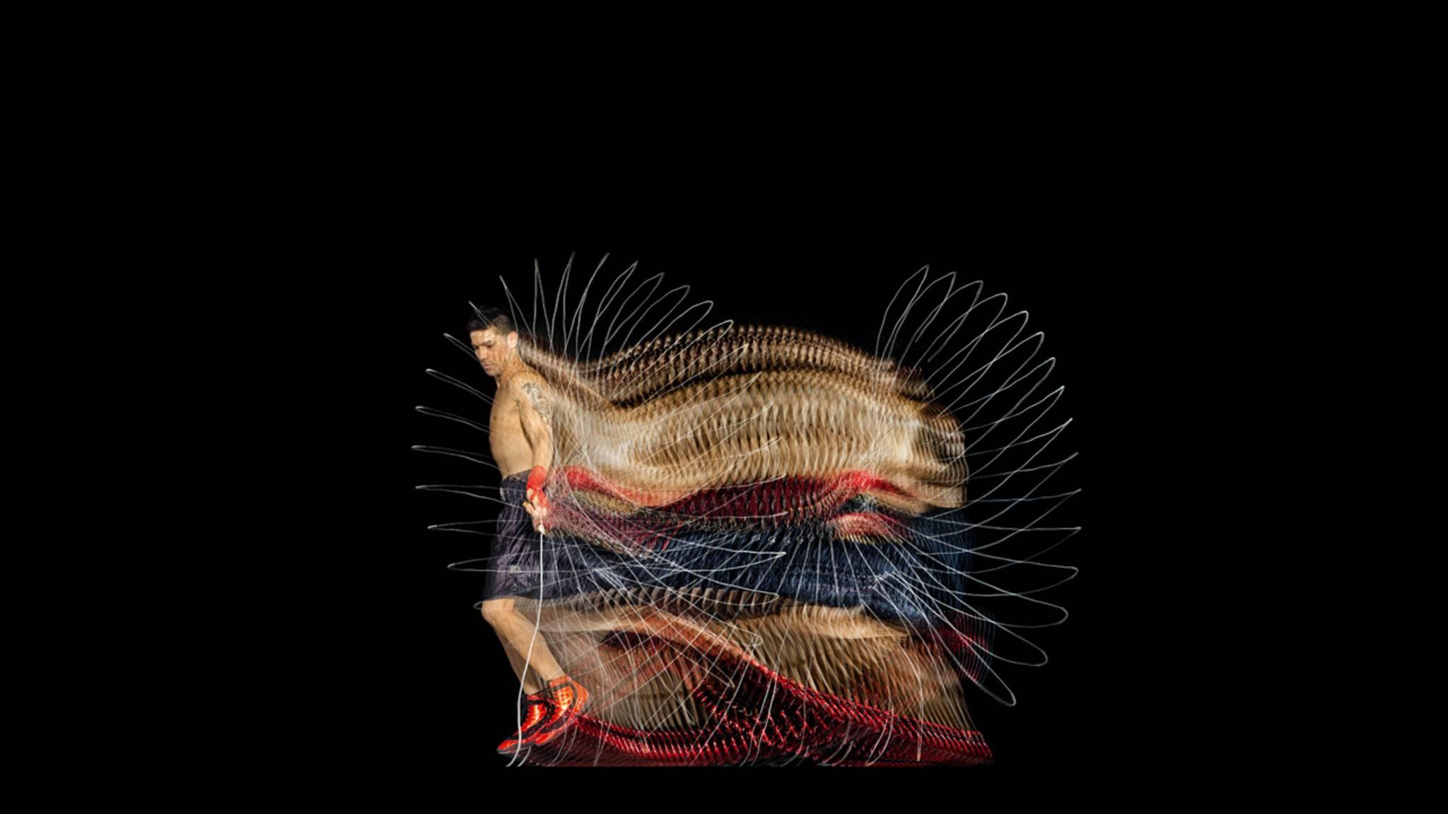 Hohe Schlagzahl: Profiboxer wie der Mittelgewichtler Sergio Martínez zählen im Training jeden Seilsprung, jeden Treffer, jede Kalorie. Starfotograf Howard Schatz hat sich darauf spezialisiert, die enormen Frequenzen des Trainings von Leistungssportlern sichtbar zu machen.