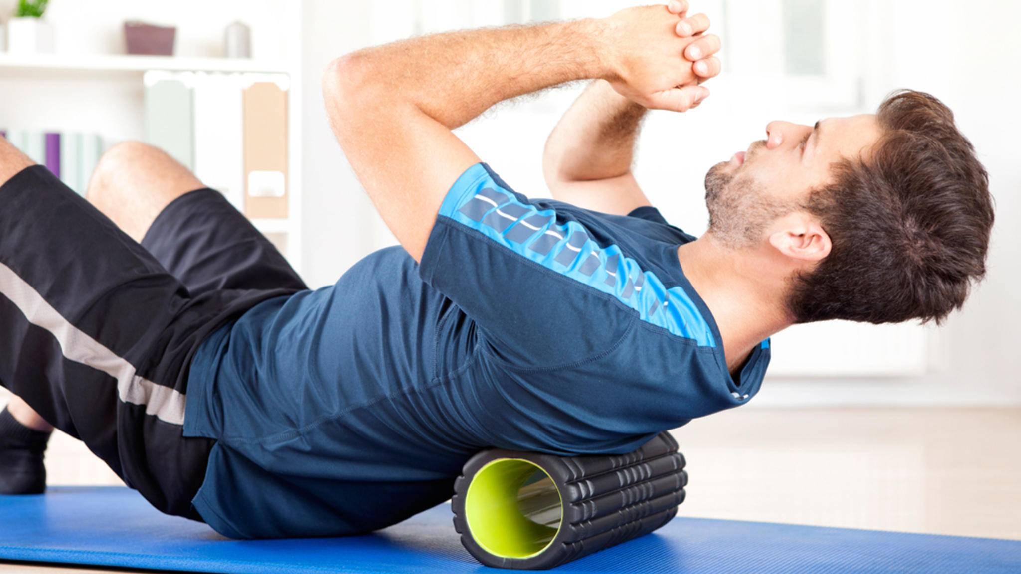 Rollen, dehnen und federn: Faszientraining soll die Beweglichkeit steigern und Schmerzen verhindern.