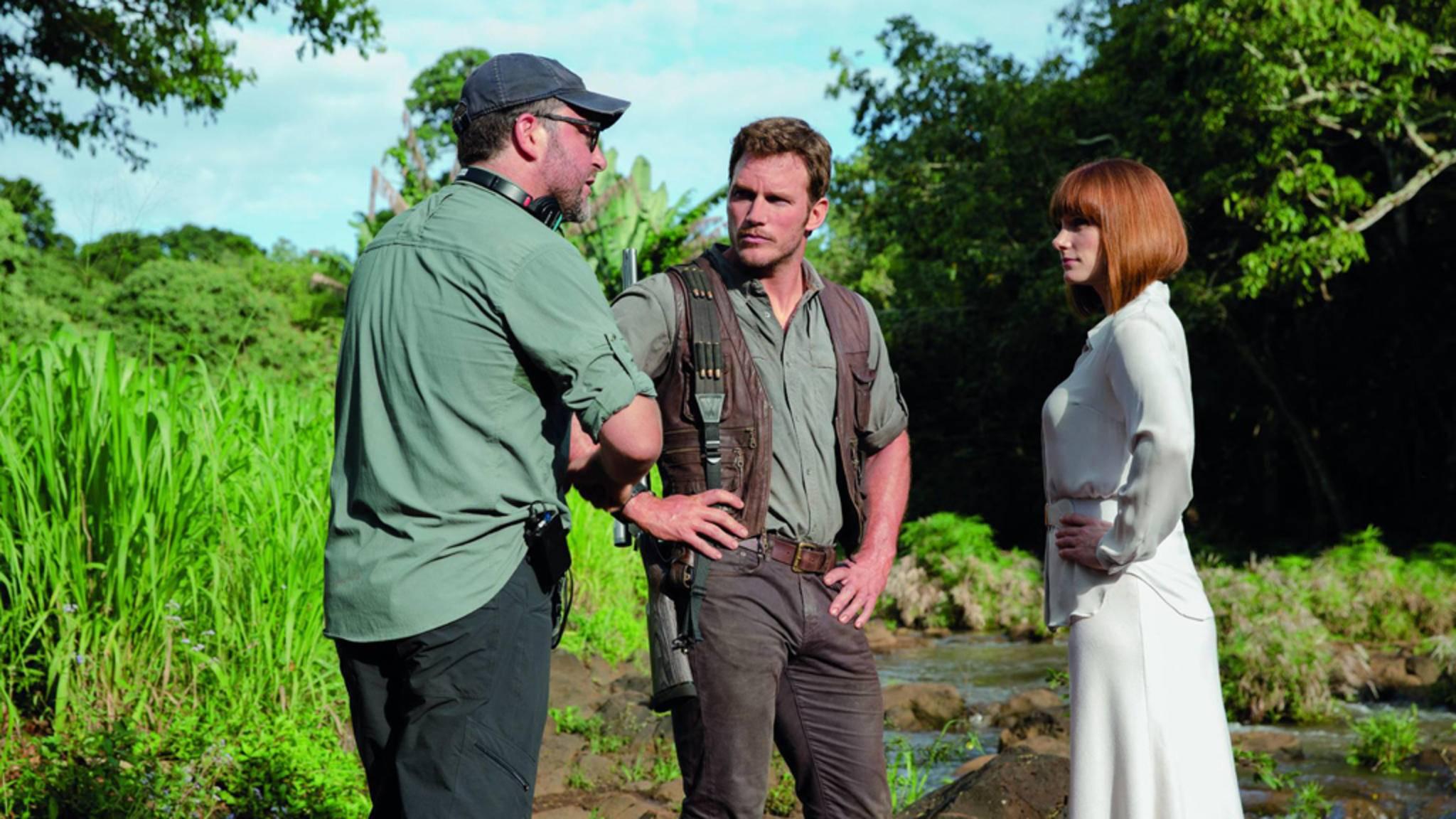 """Chris Pratt (Mitte) und Bryce Dallas Howard (rechts) sind auch in """"Jurassic World 2"""" wieder mit von der Partie."""