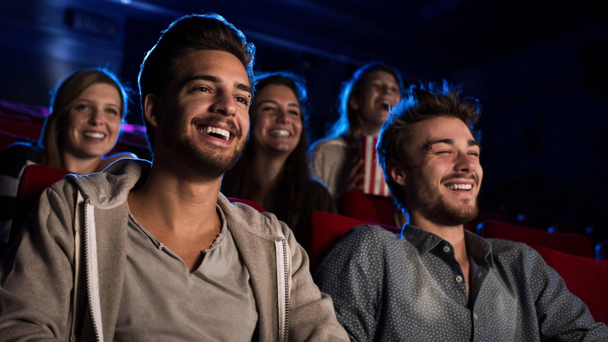 Ein Kinoabend mit Freunden ist immer ein Fest – sofern niemand dazwischenquatscht oder mit Popcorn raschelt!