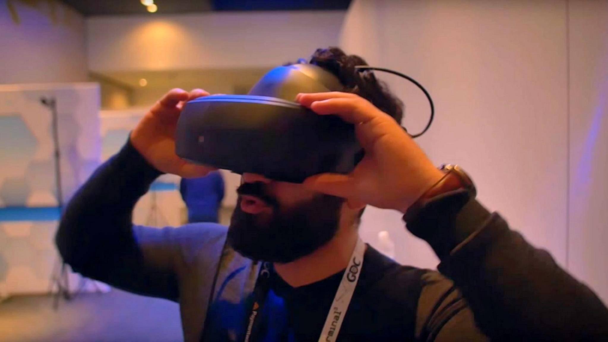 LG zeigt eine neue Virtual-Reality-Brille für die SteamVR-Plattform.