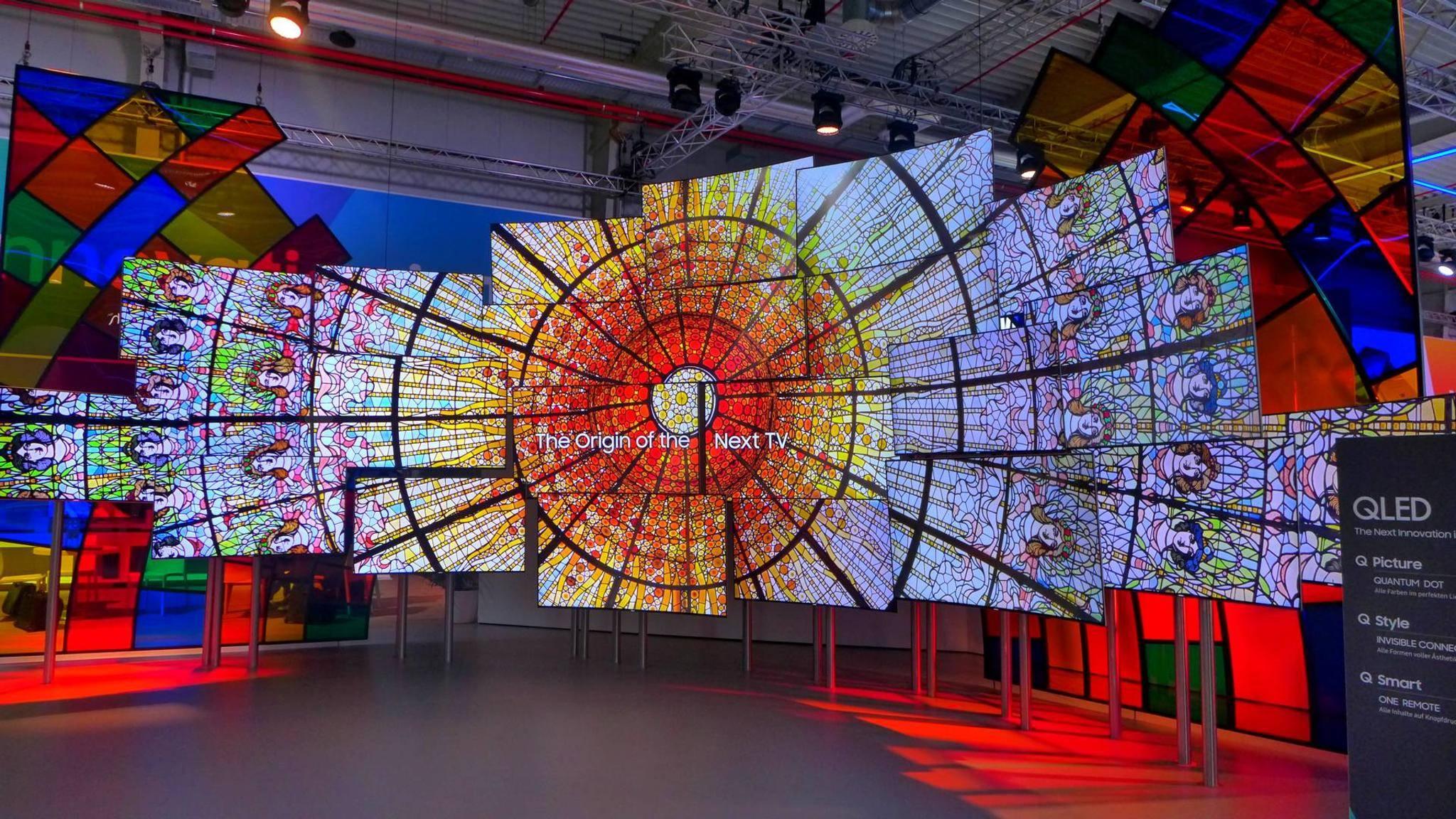 Die QLED-TV-Wand von Samsung zauberte beeindruckende Motive.