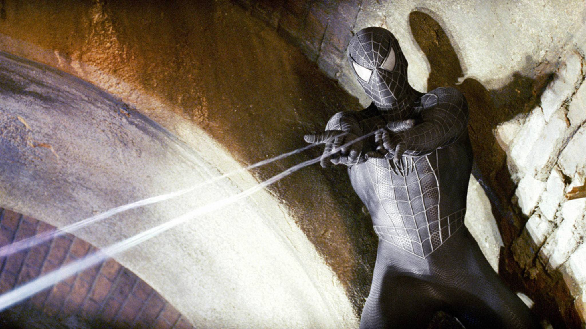 """Venom besetzte schon diverse Wirte. Auch Spider-Man selbst vereinte sich 2007 in """"Spider-Man 3"""" mit dem Aliensymbionten."""