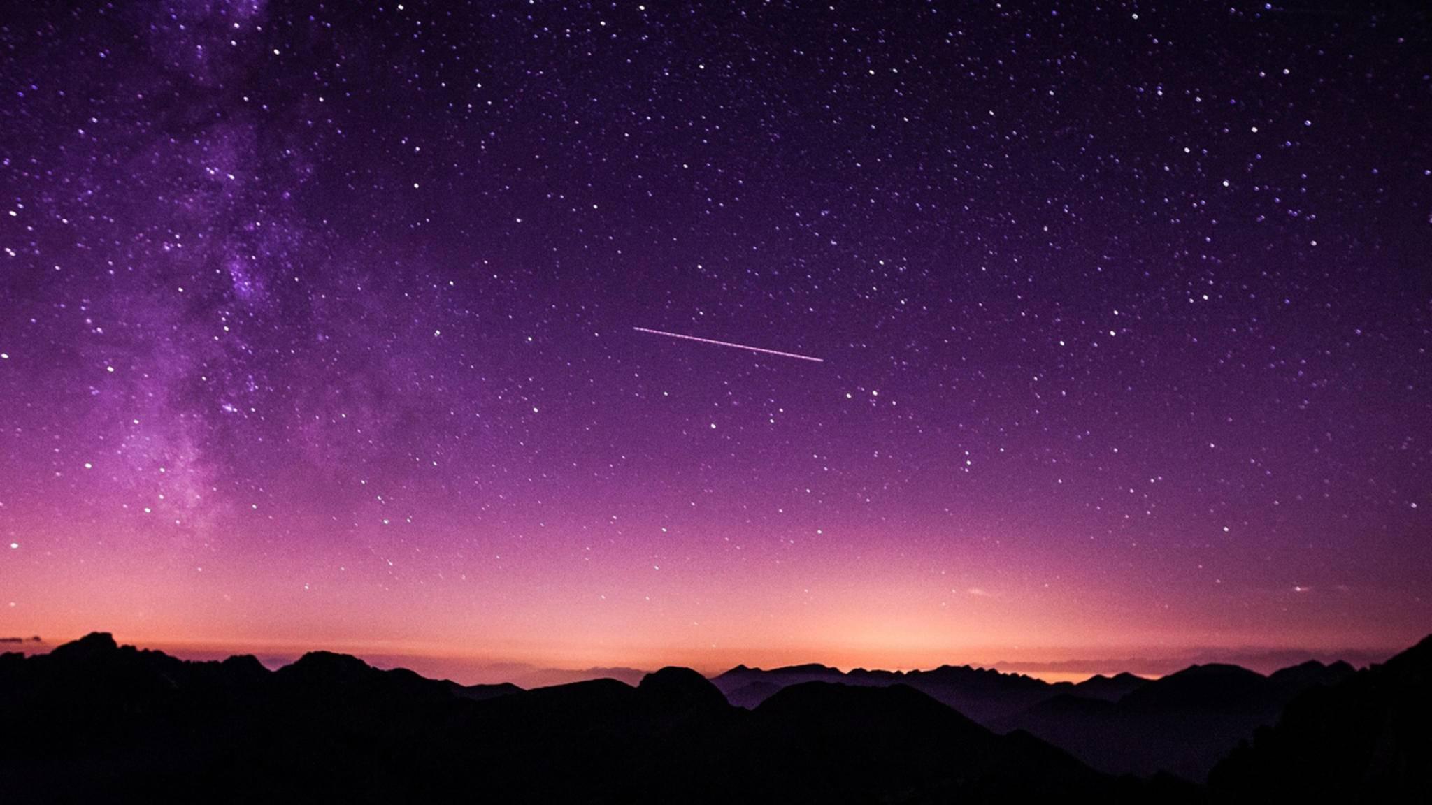 Wer Sternschnuppen fotografieren will, braucht Glück – und passendes Wetter.