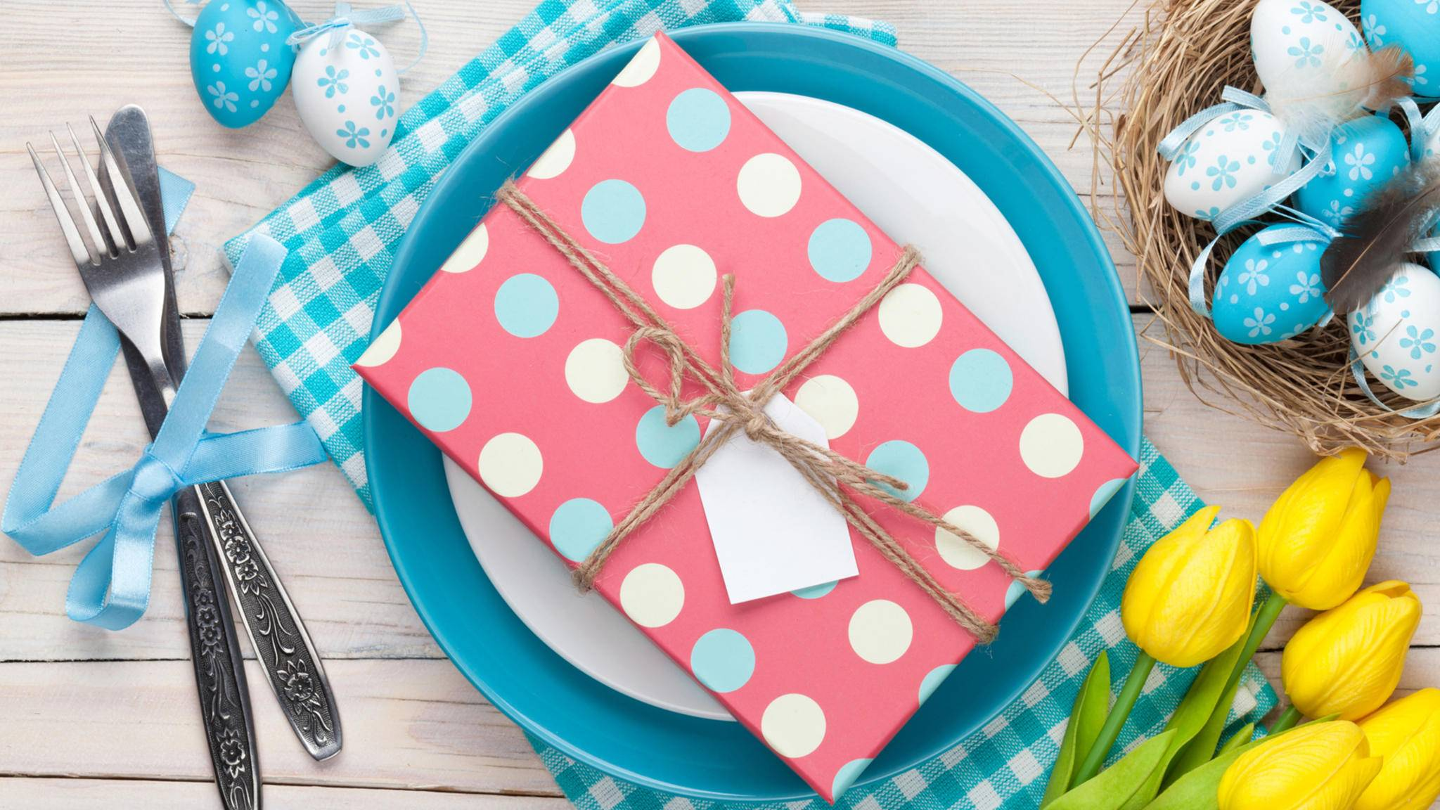 Ostergeschenke müssen sich nur aus Eiern oder Schokolade bestehen.