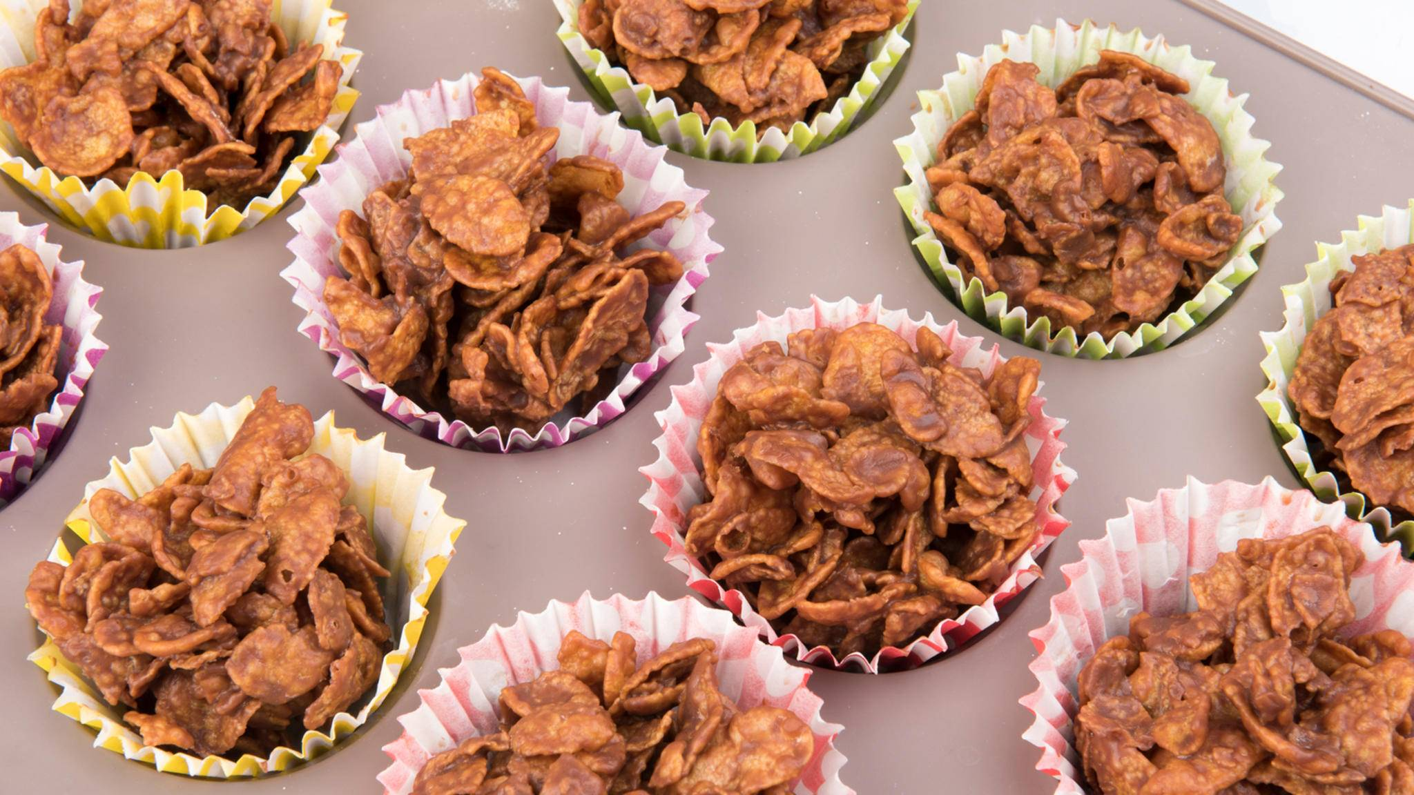 Cornflakes schmecken nicht nur typisch mit Milch aus der Schüssel.