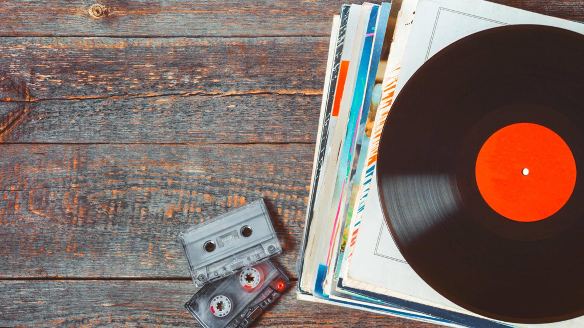 Viele bekannte Hits wurden zensiert – und kaum ein Hörer weiß es.