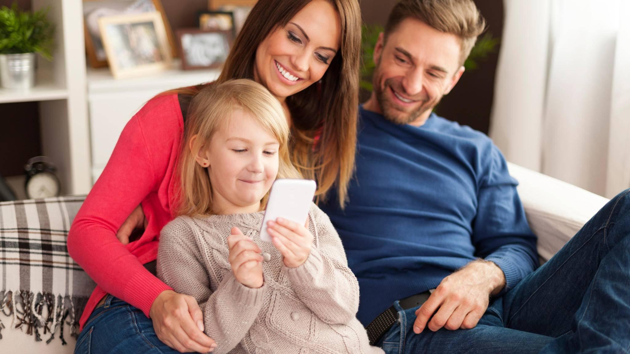 Mit Googles Family Link sollen Eltern künftig das Smartphone ihres Kindes immer im Blick haben.