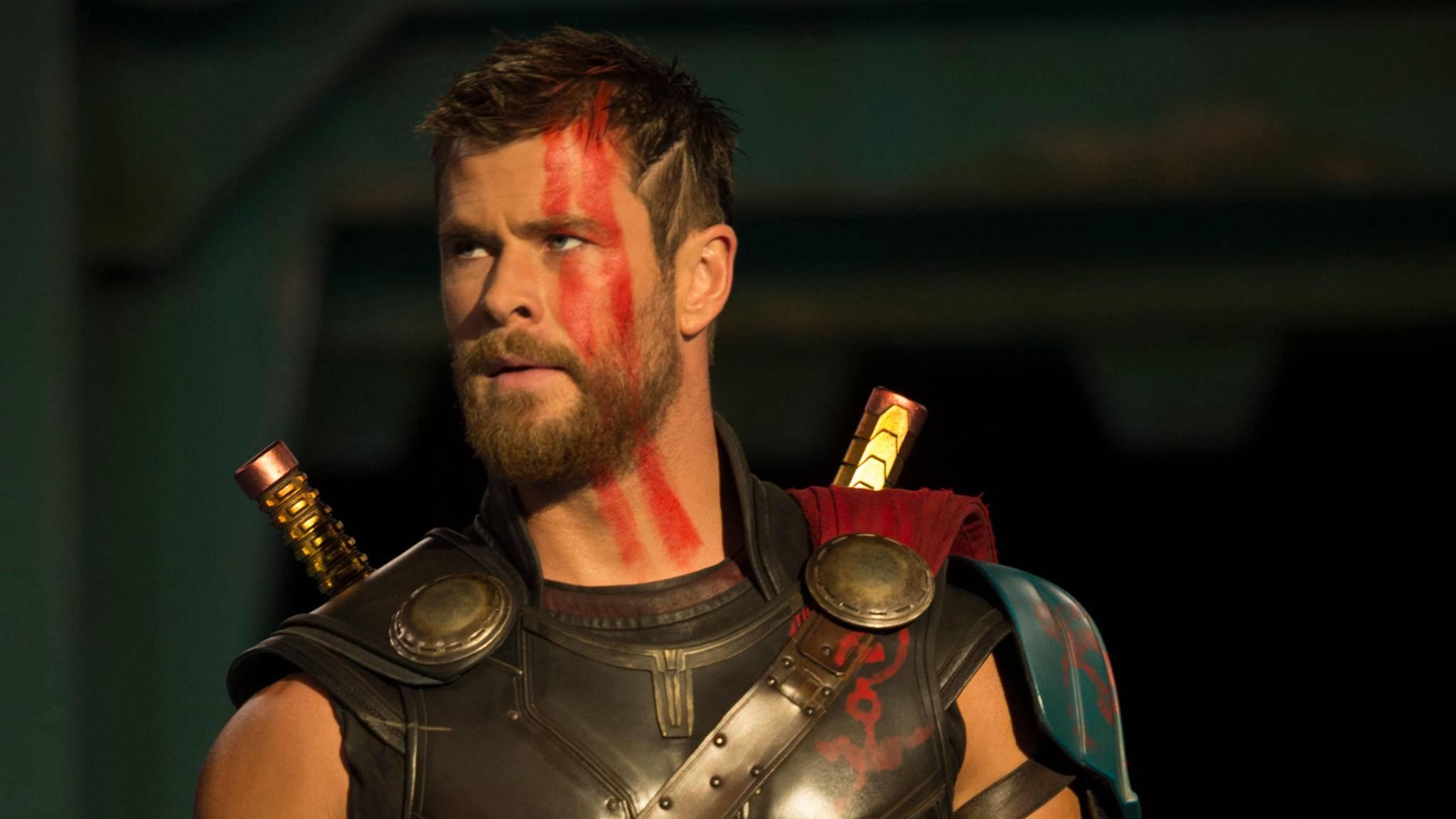 """Ab dem 2. November schlägt Marvels Donnergott in """"Thor: Ragnarok"""" wieder zu."""