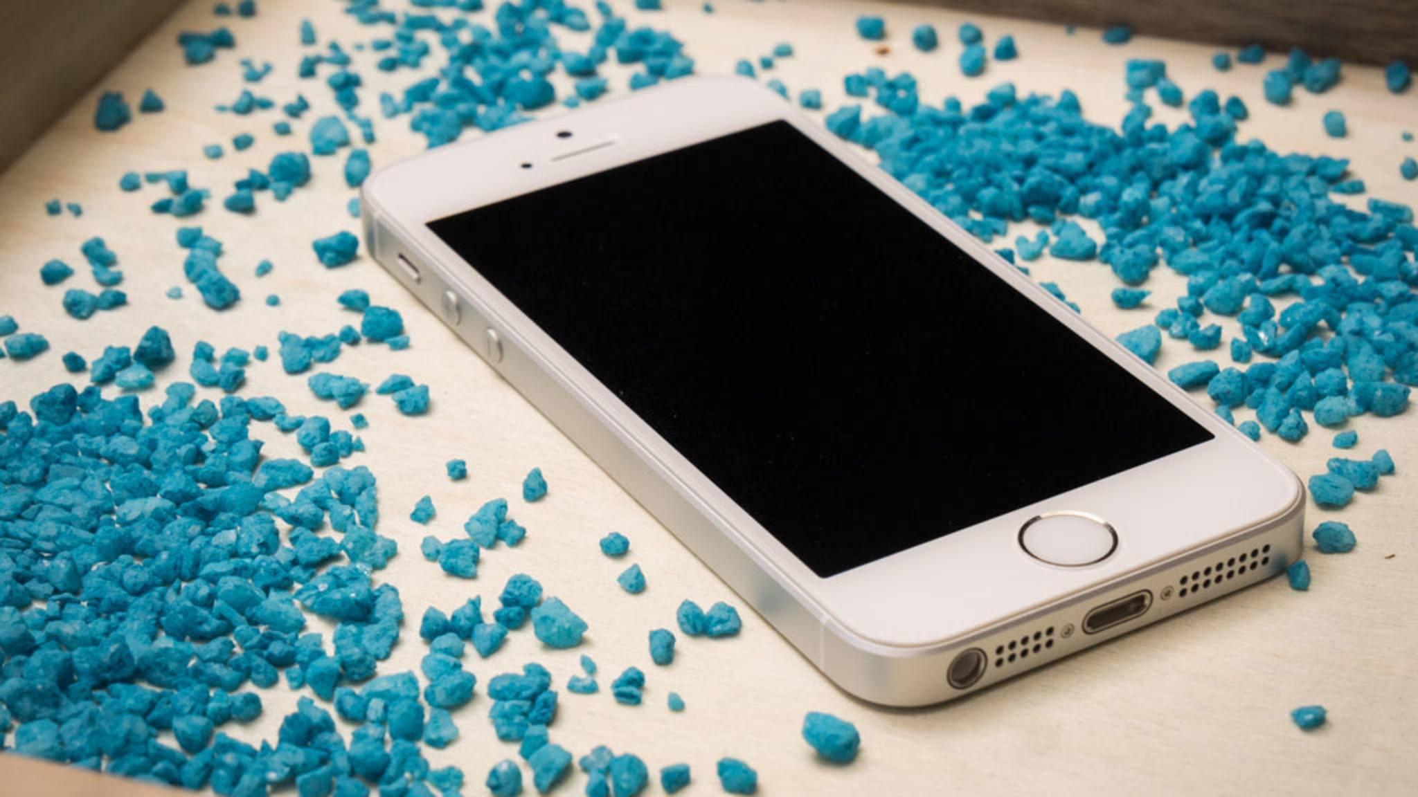 Wer sein defektes iPhone SE-Display bei Apple reparieren lassen will, kann auf ein Austausch-Smartphone hoffen.