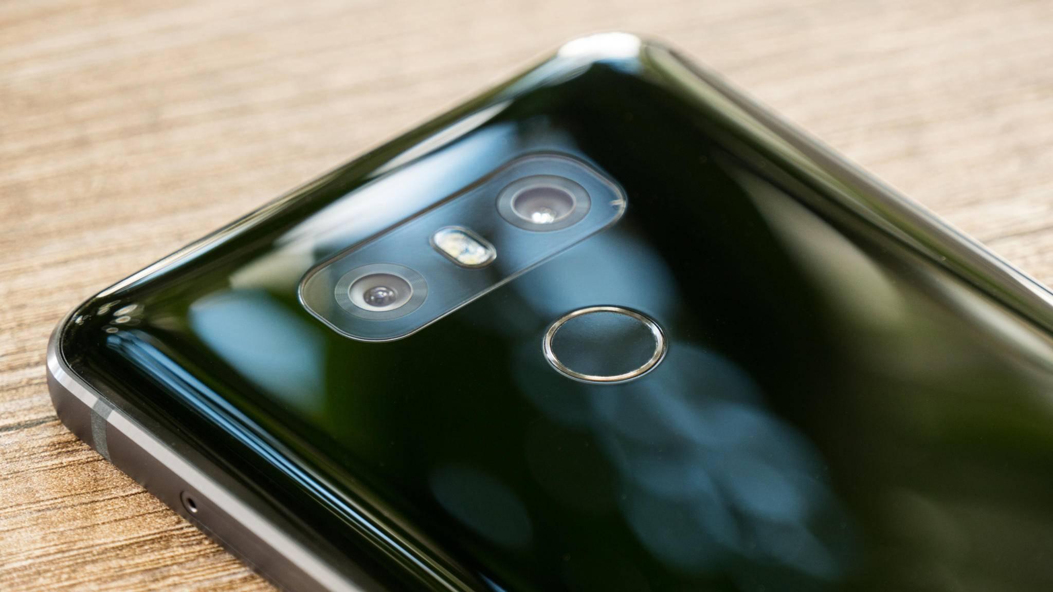 Die Dual-Kamera schließt bündig mit dem Gehäuse ab.