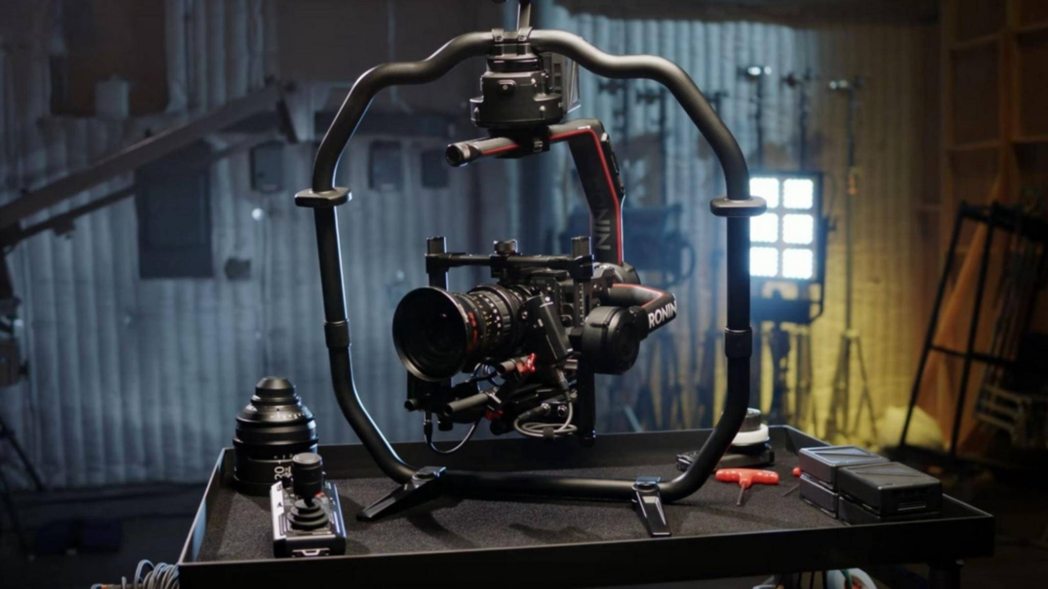 Mit dem DJI Ronin 2 erhalten Filmemacher einen neuen Profi-Gimbal.