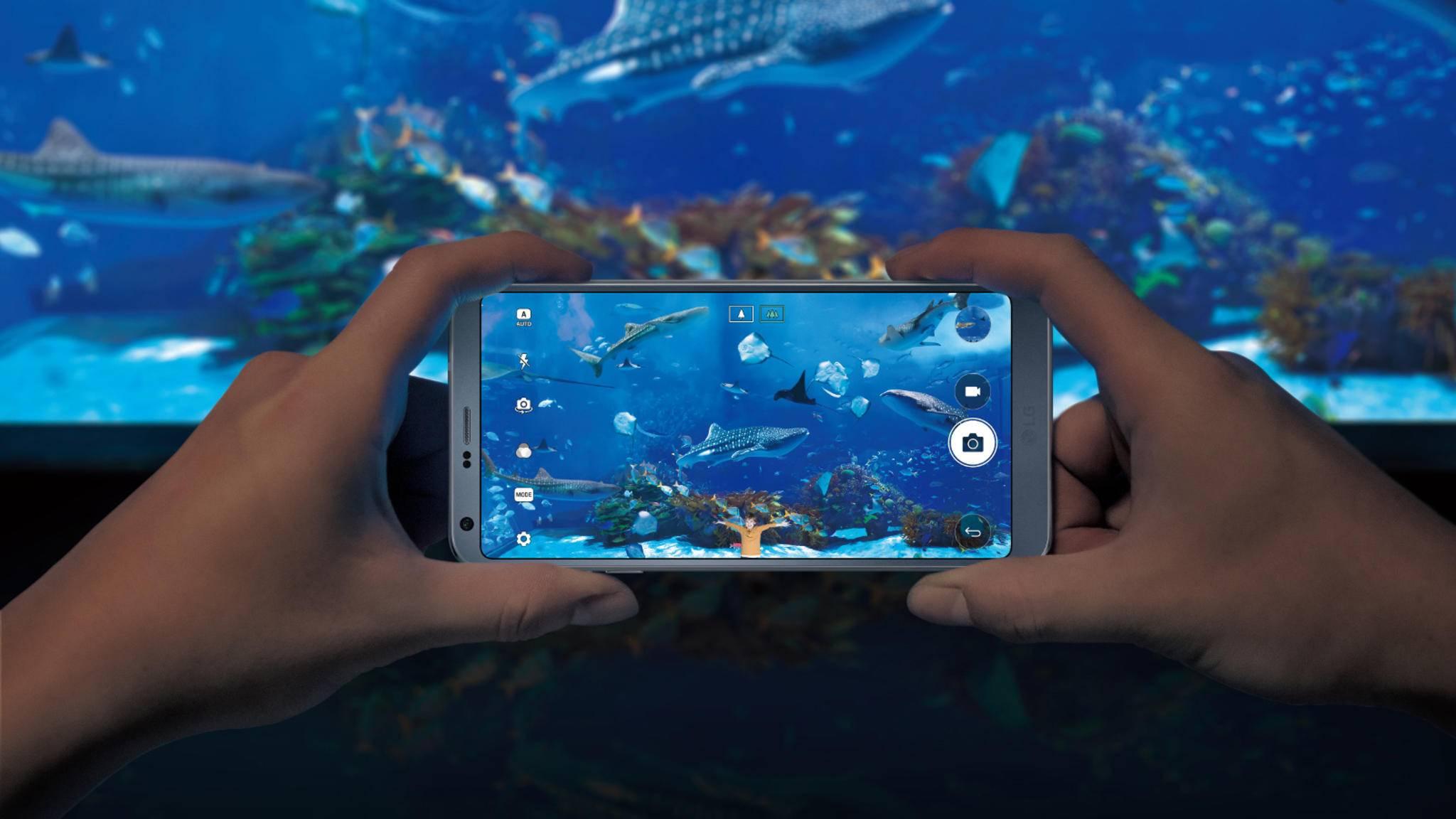 Das Display des LG G6 ist mit 18:9 etwas breiter als gewöhnliche Smartphones.