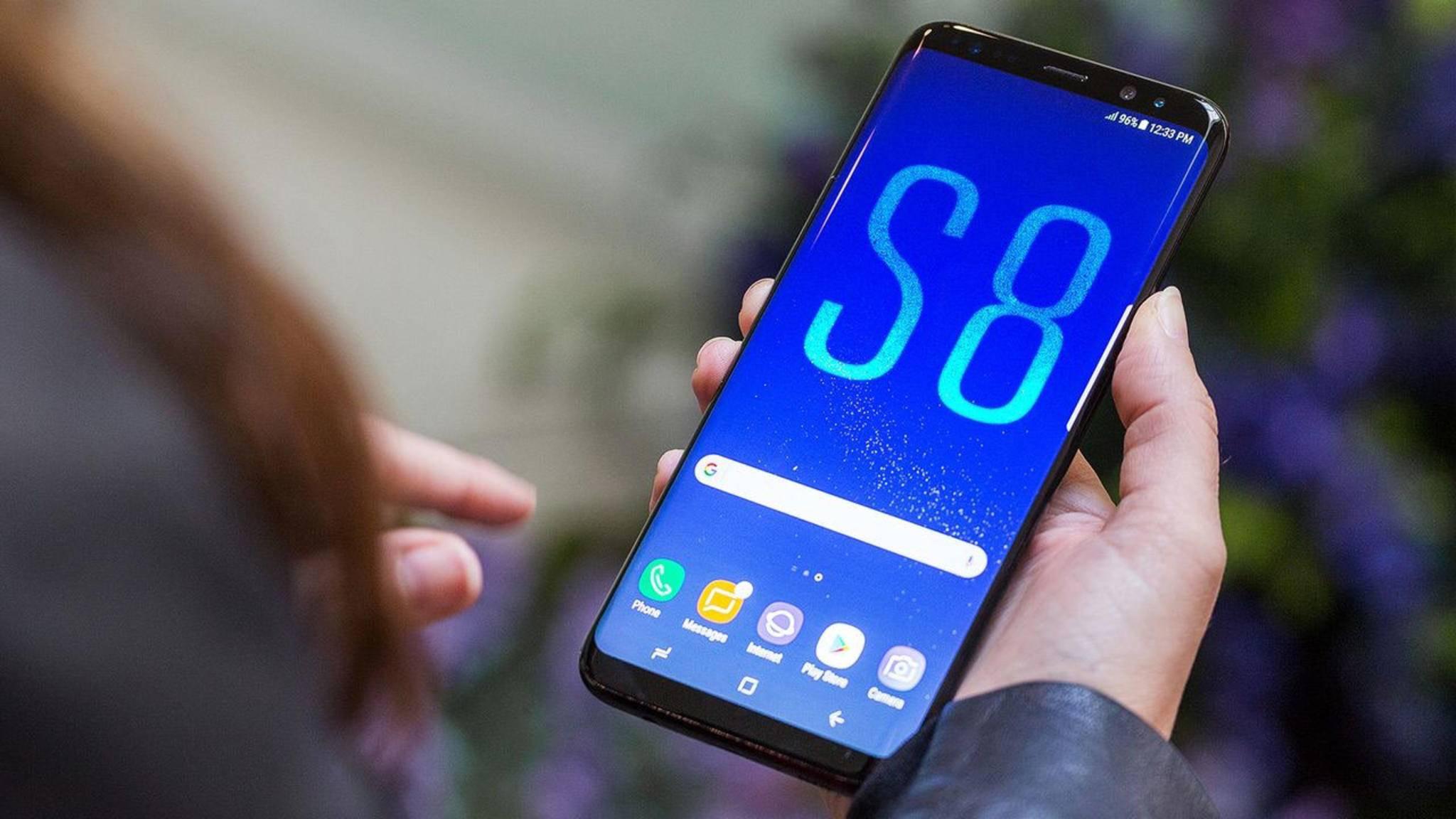 Tolle Technik, aber ein sprichwörtliches Glaskinn: Das Galaxy S8 versagt im Falltest der Stiftung Warentest.