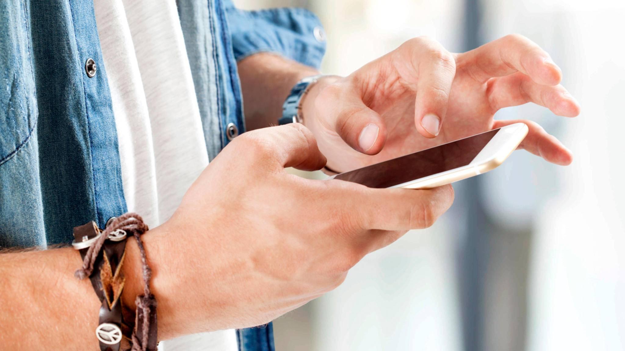 Willst Du Nachrichten nicht sofort senden, hilft Dir eine Planer-App.