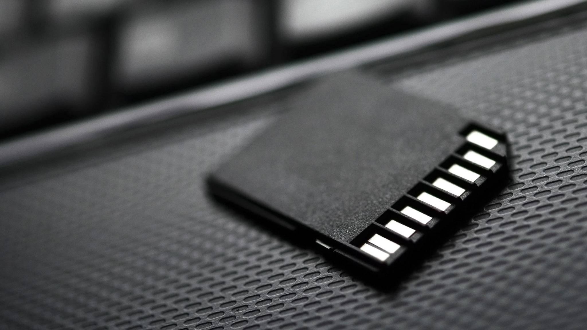 Versehentlich den Schreibschutz Deiner SD-Karte aktiviert? So kannst Du ihn wieder aufheben.