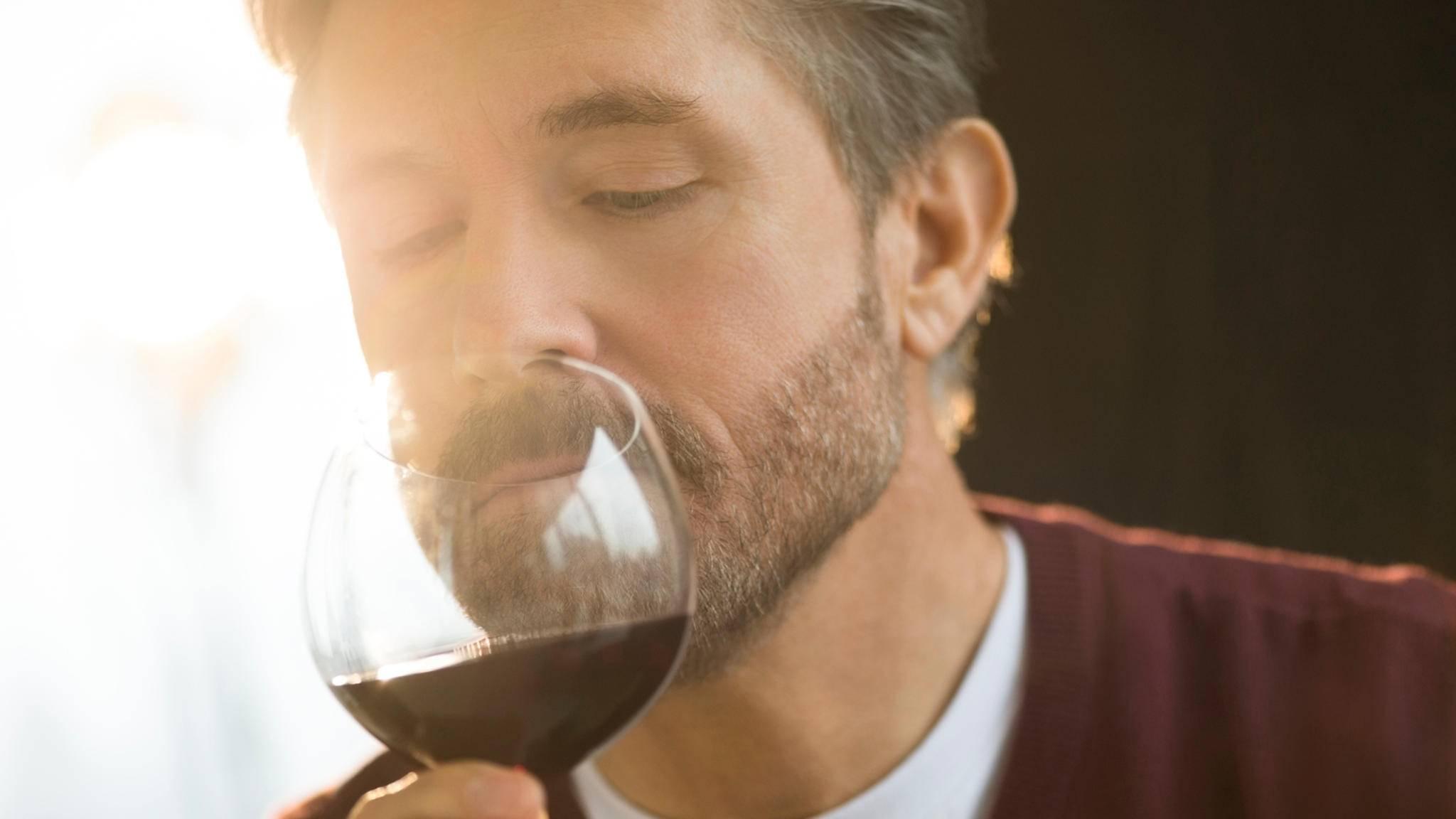 Wer hätte das gedacht: Weinproben fordern das Gehirn in hohem Maße.
