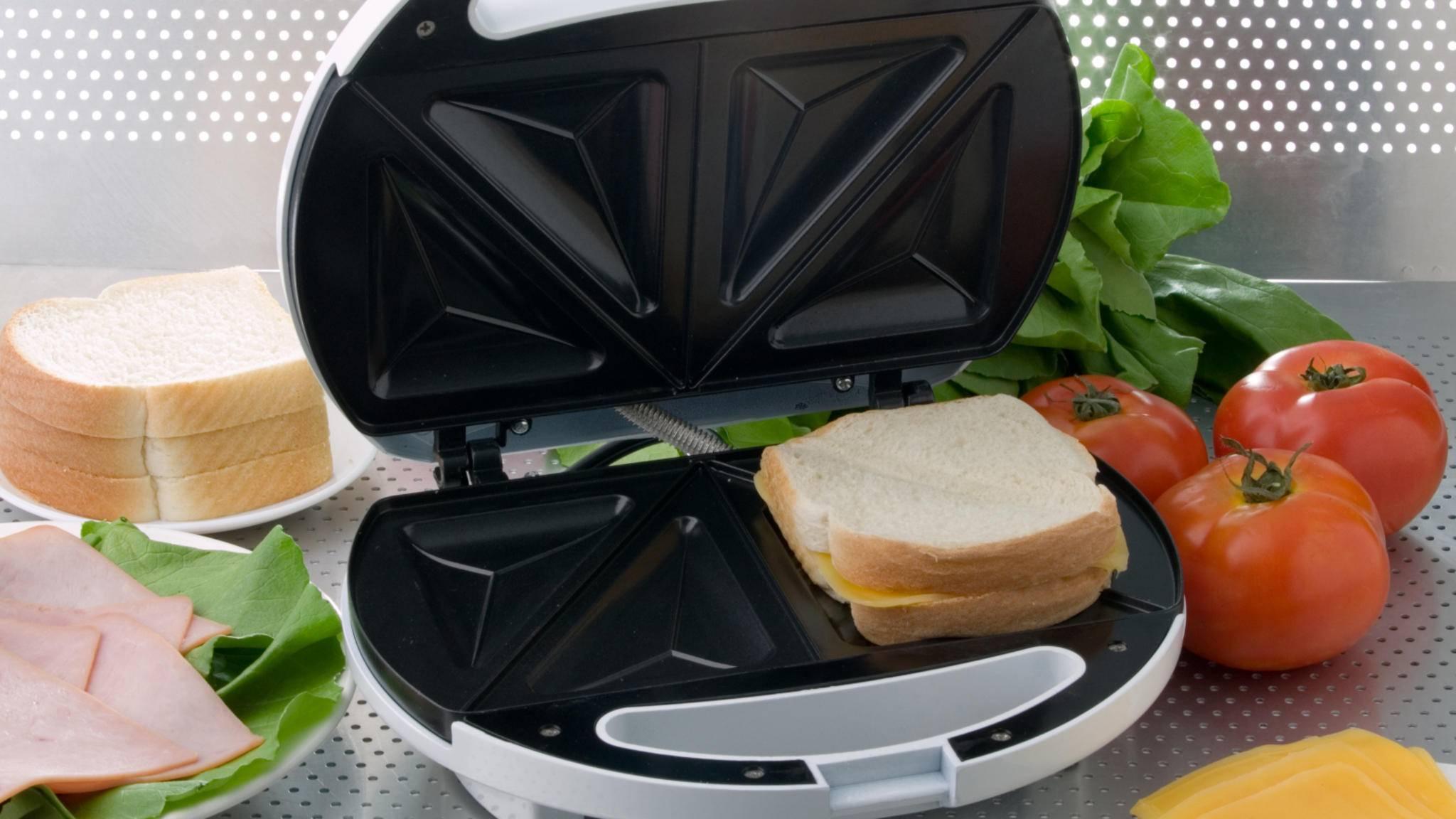 Mit dem Sandwichmaker bereitest Du in kürzester Zeit leckere kleine Mahlzeiten zu.