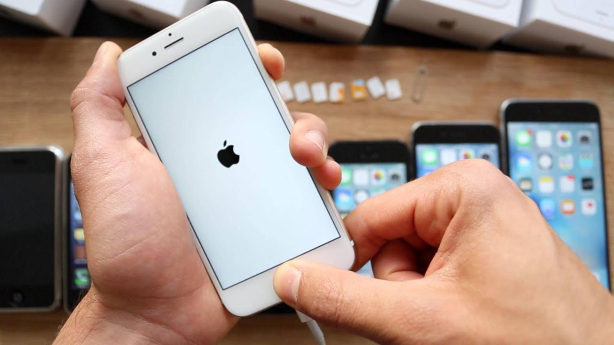 Auf Deinem iPhone wird nur das Apple-Logo angezeigt? Das kannst Du dagegen tun.