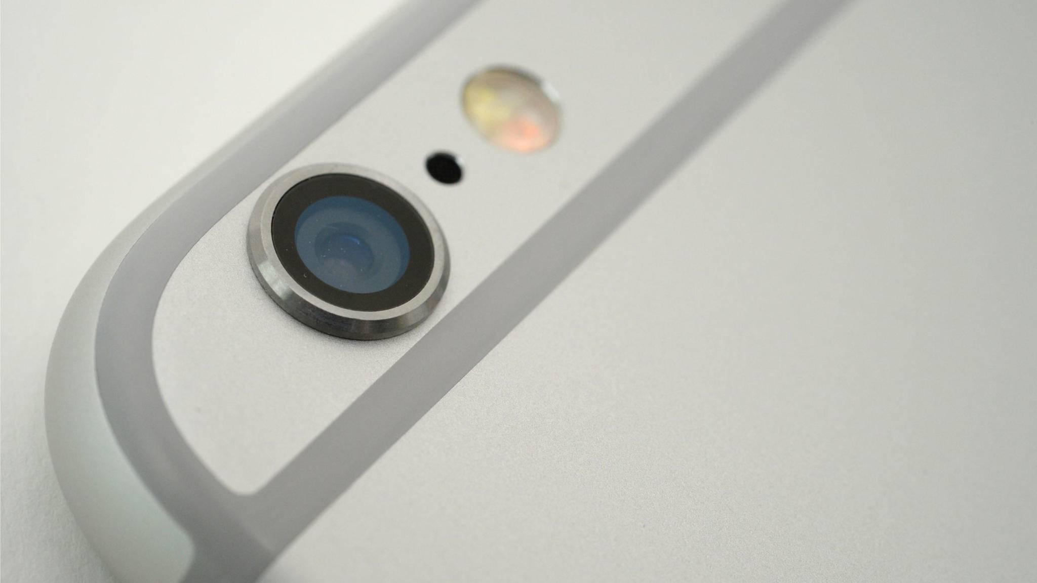 Das winzige Loch neben der iPhone-Kamera erfüllt einen ganz bestimmten Zweck.