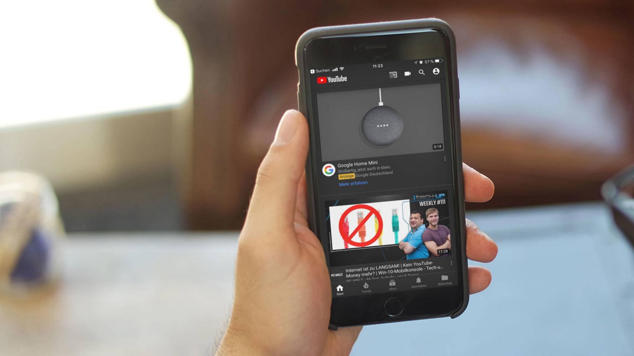 Mit dem Nachtmodus kann in der YouTube-App eine Menge Energie gespart werden.