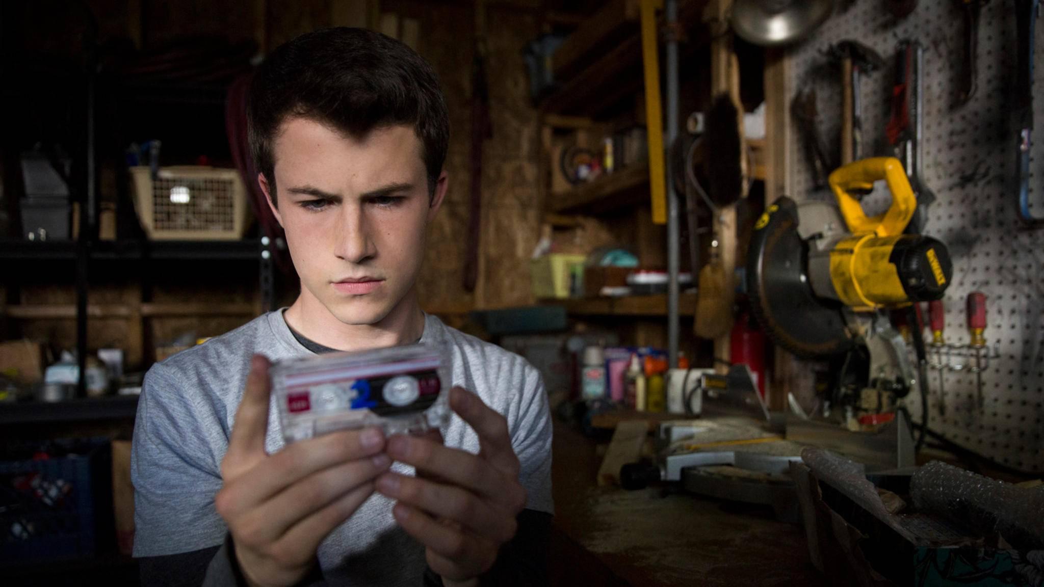 Auf 13 Kassetten erfährt Clay, warum Hannah sich umgebracht hat.