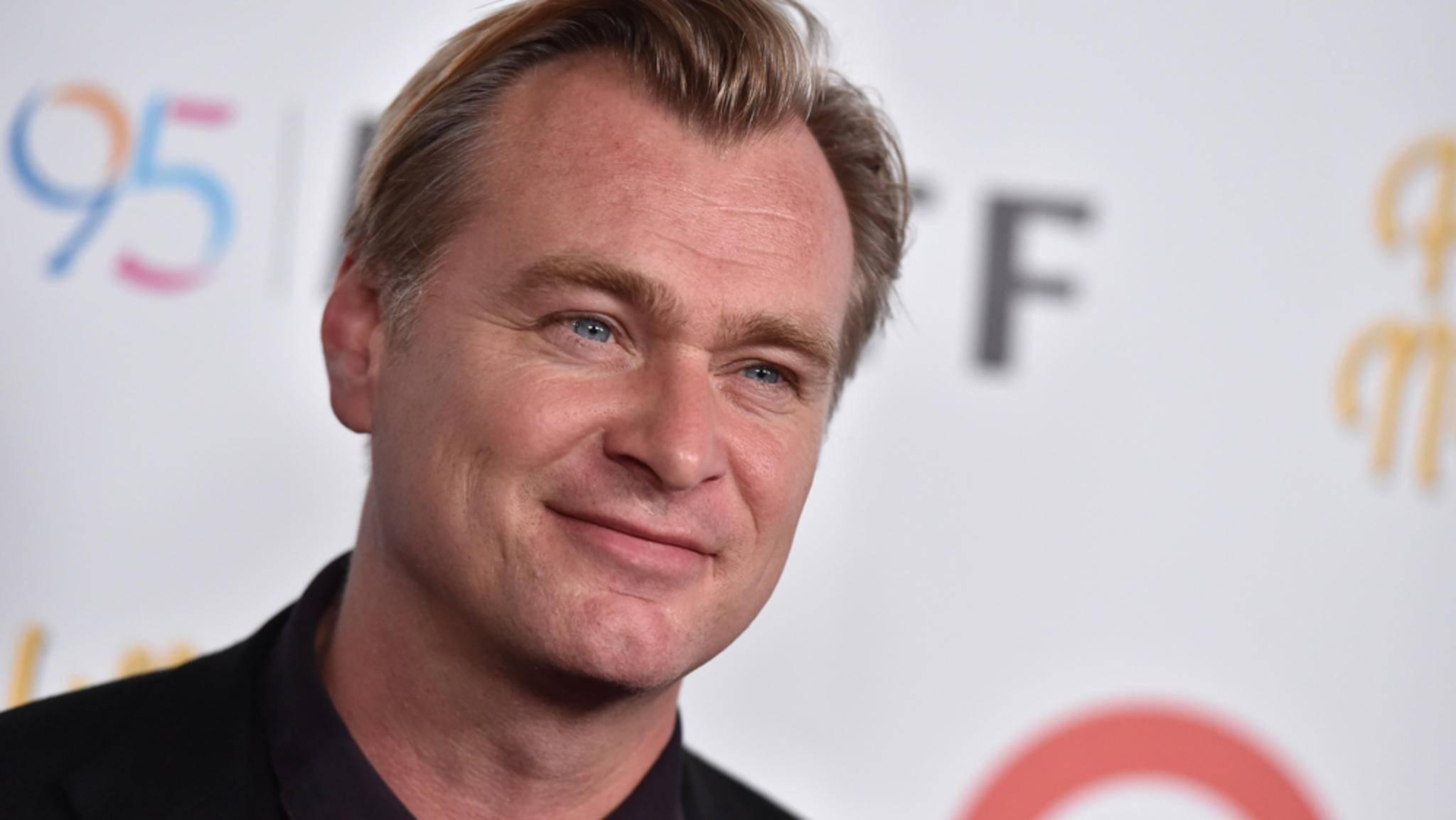 """Übernimmt Christopher Nolan nun """"Bond 25"""" oder nicht?"""