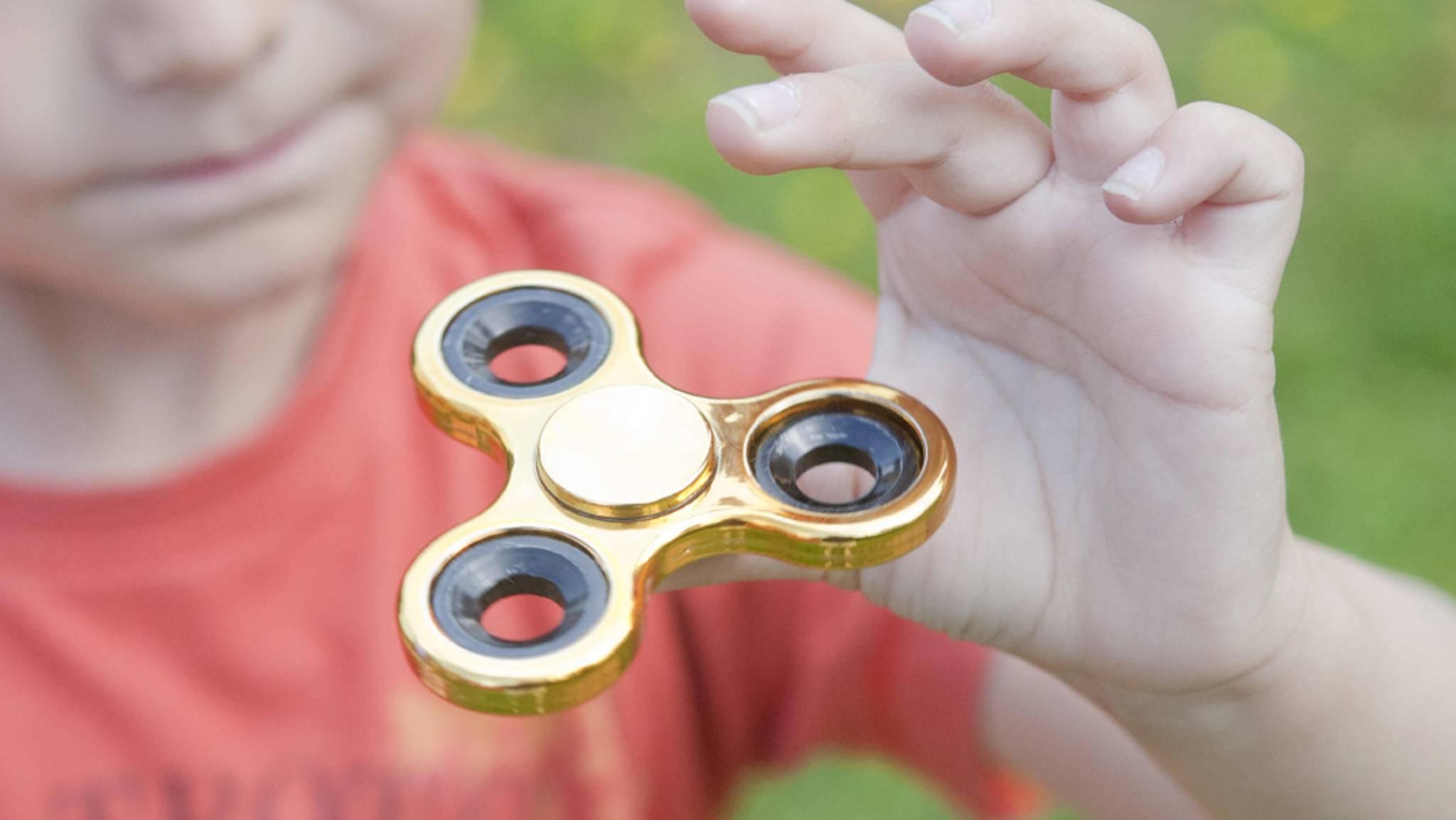 Von wegen Kinderspielzeug: Fidget-Spinner erobern längst auch den erwachsenen Markt.