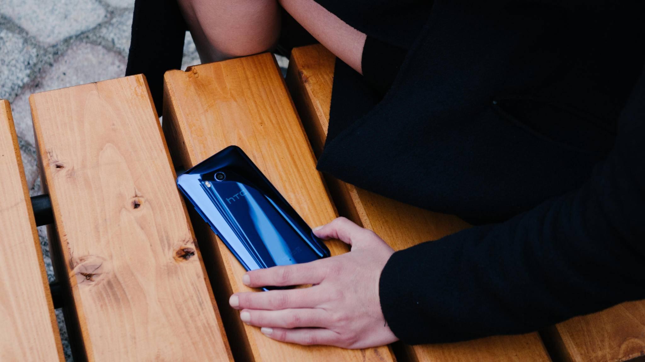 Einfach mal den Rahmen drücken: Wir erklären, wie Du Edge Sense auf dem HTC U11 nutzen kannst.