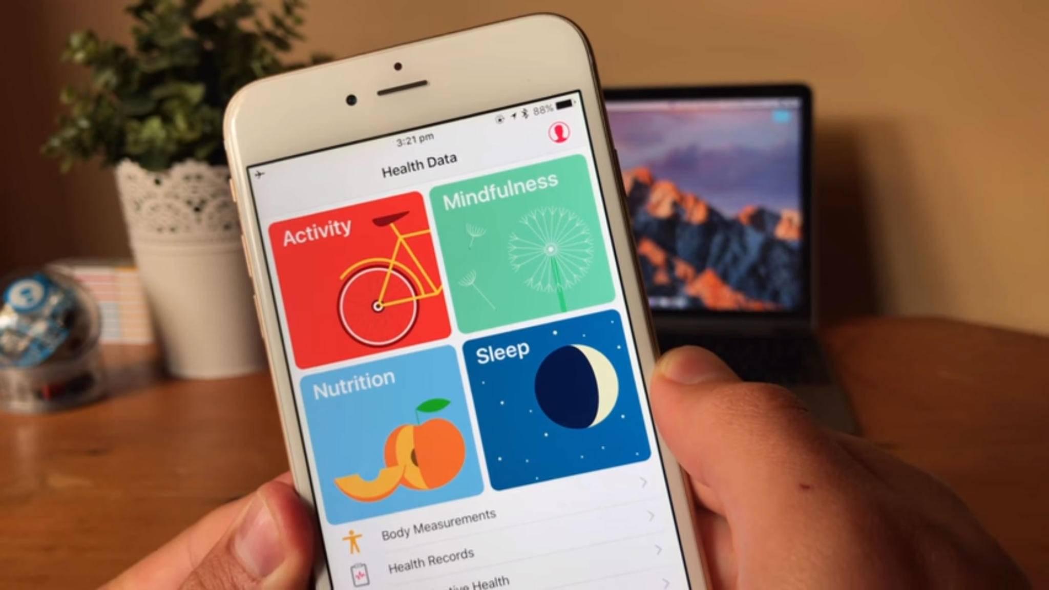 Schritte werden in Apple Health automatisch erfasst und ausgewertet.