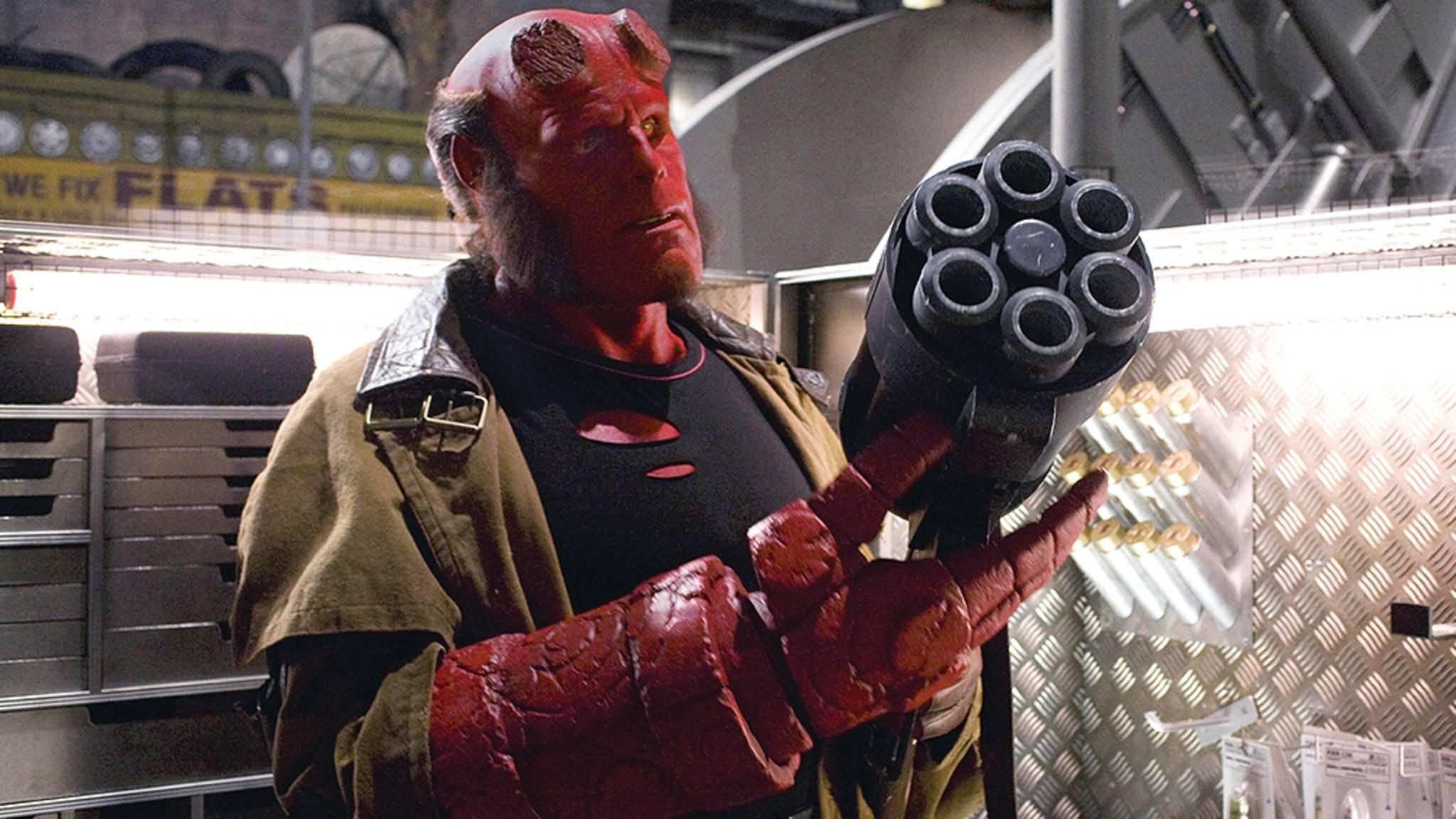 Unglaublich, aber Hellboy (hier gespielt von Ron Perlman) ist tatsächlich einer der Guten.