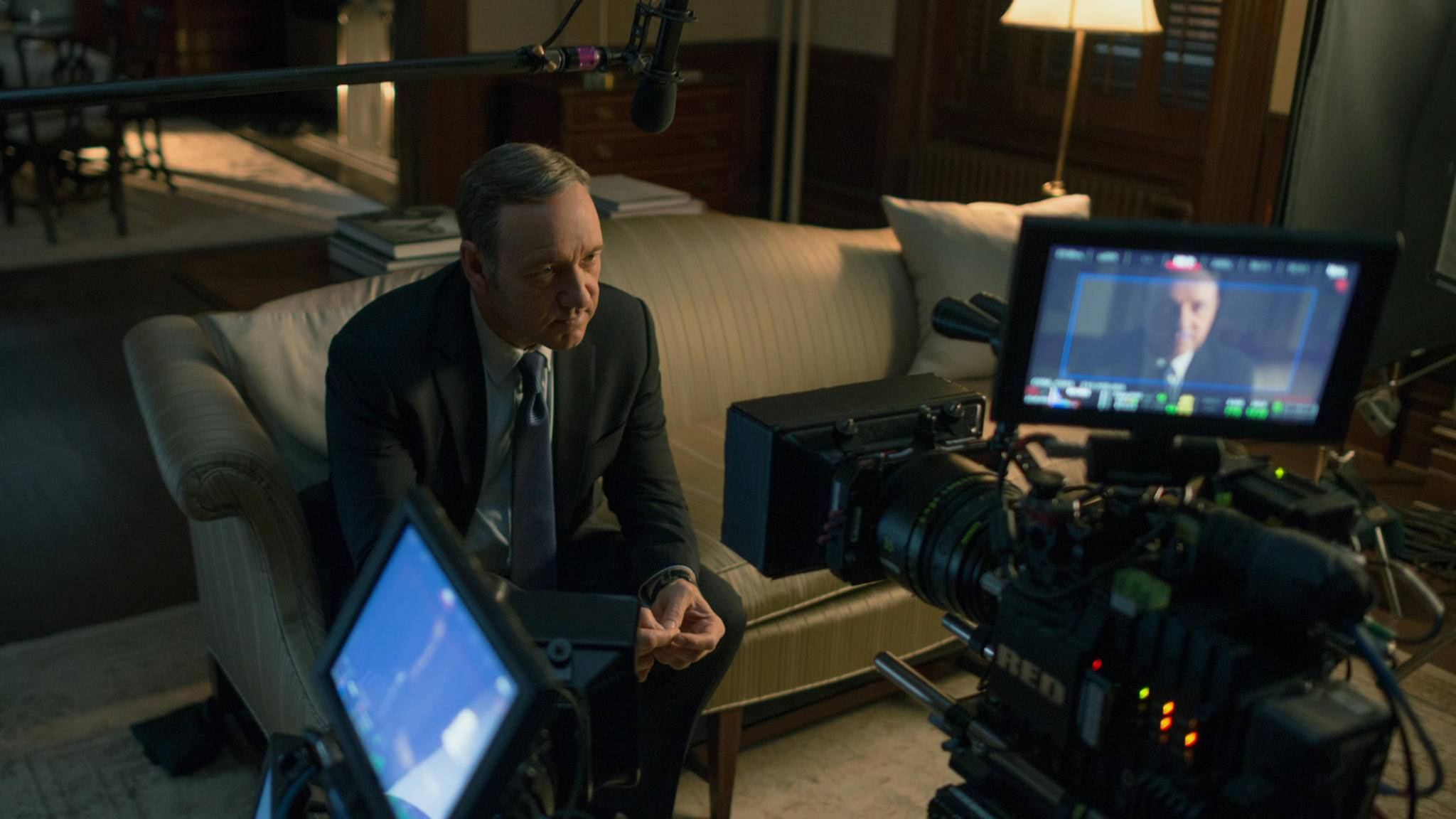 """Dieses Bild von Kevin Spacey am """"House of Cards""""-Set wird es nicht mehr geben."""
