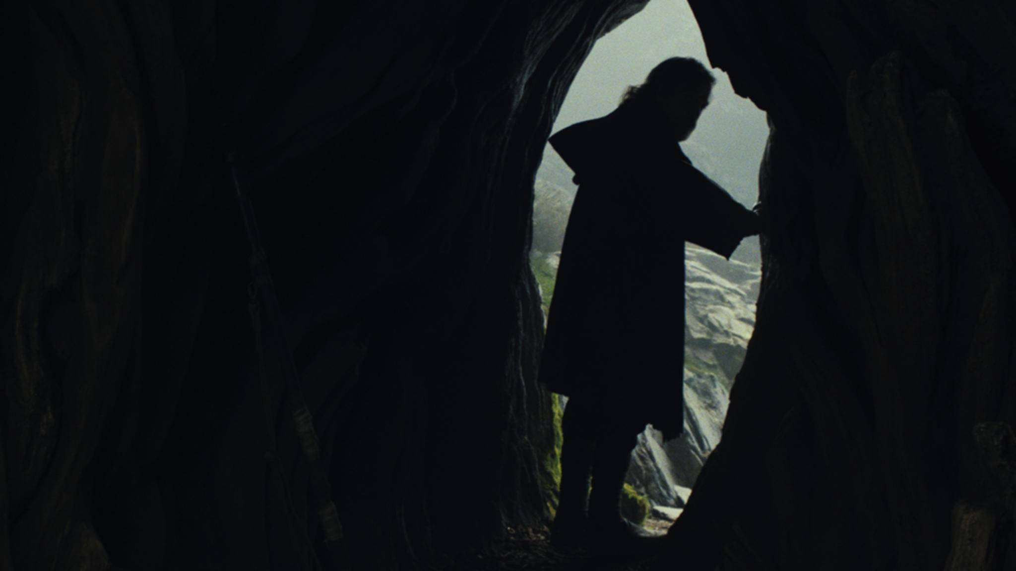 Luke lebt von allen anderen abgeschottetauf dem Planeten Ahch-To. Eine Erklärung für diesen Schritt wäre sicherlich für alle Fans wünschenswert.