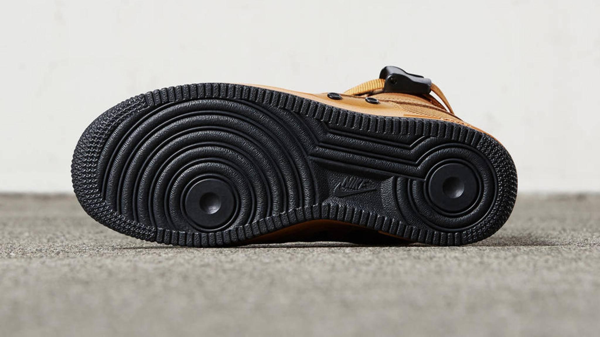 Wer den Look der Sneaker-Sohle der Air Force 1 als Handy-Hülle möchte, hat nun die perfekte Gelegenheit – zumindest in den USA.