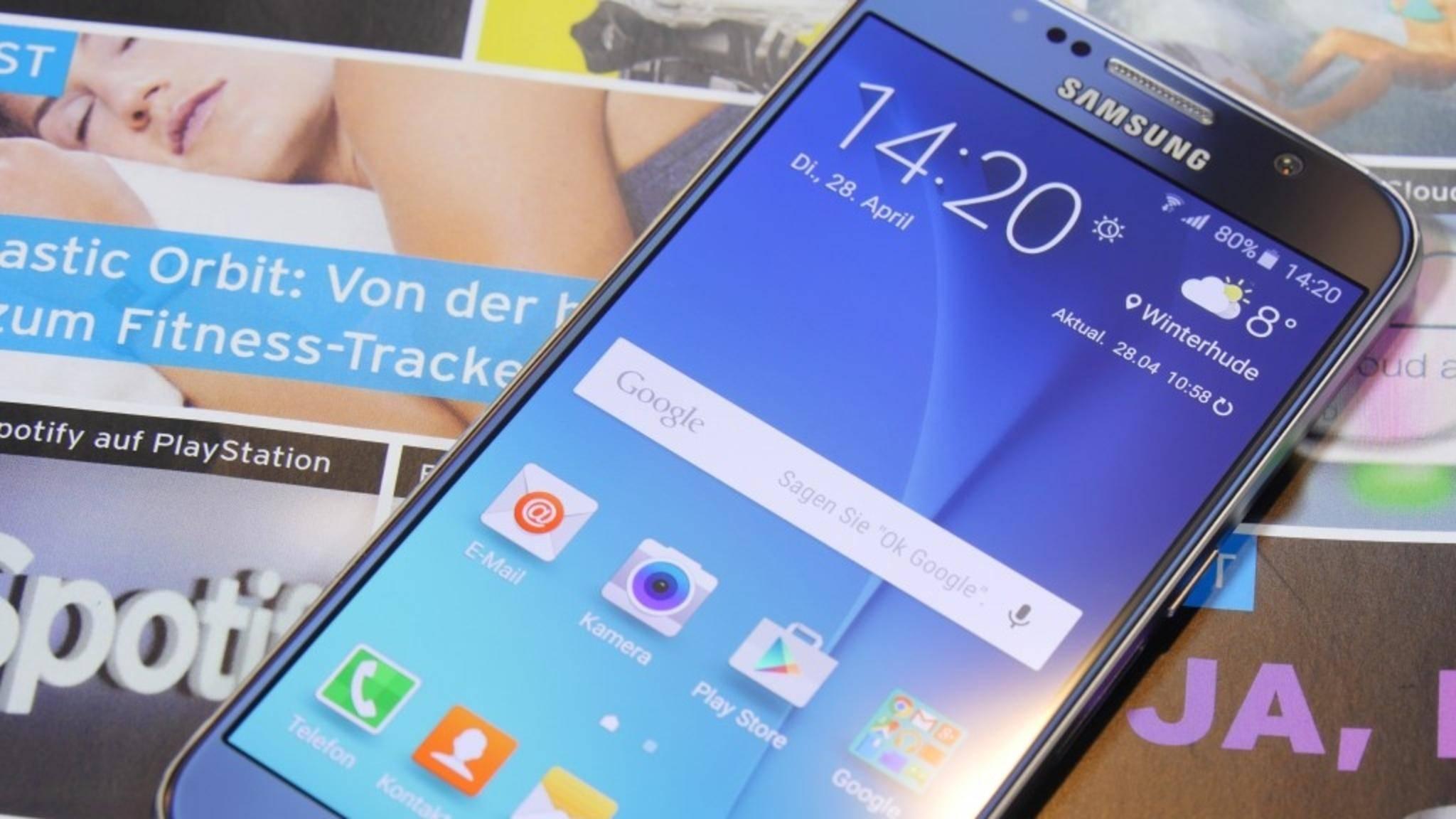 Ältere Samsung-Geräte, wie das Galaxy S6, verfügen noch über S Voice.