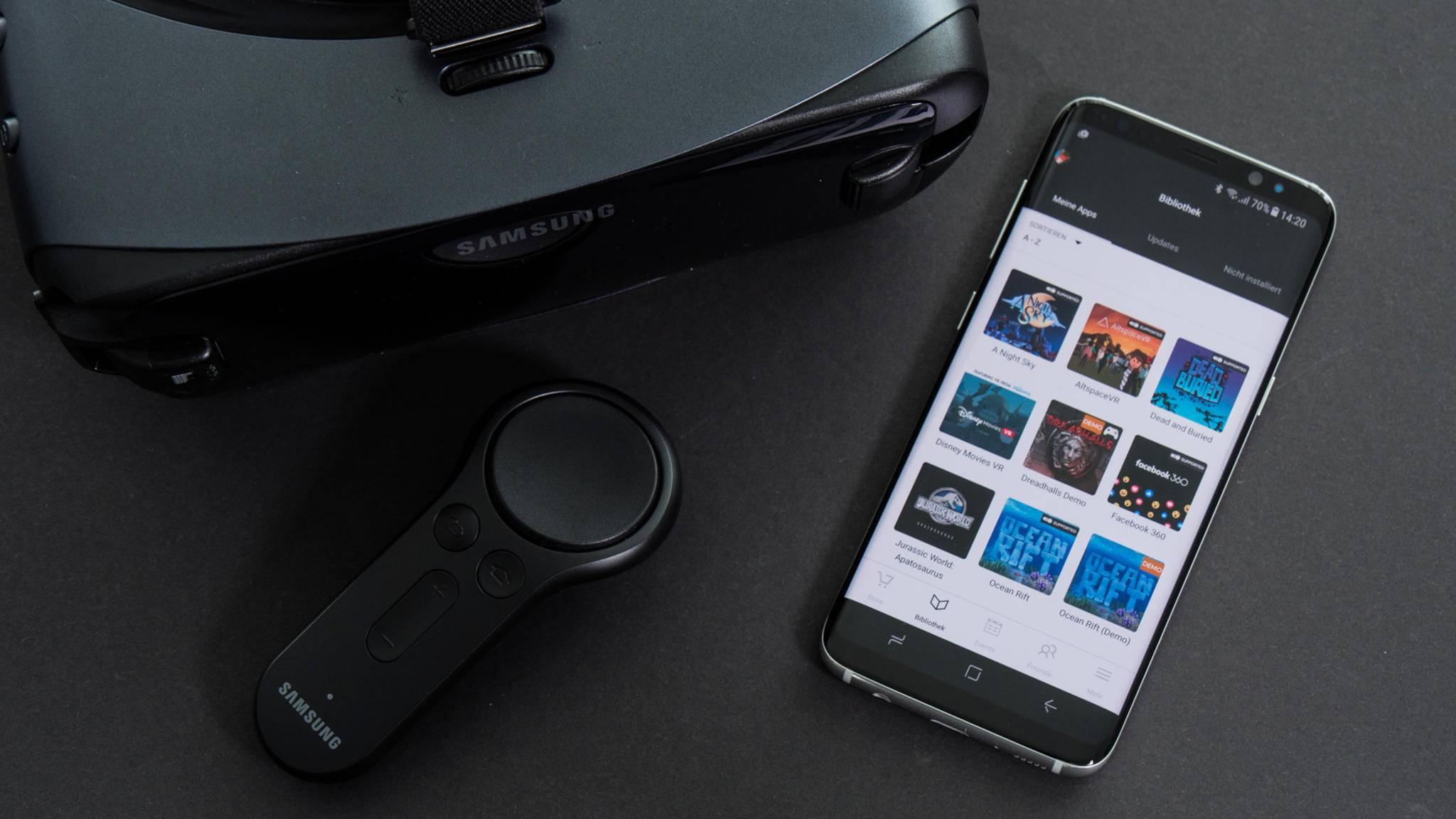 Den Controller koppelst Du mit dem Smartphone, bevor Du es in die Gear VR steckst.
