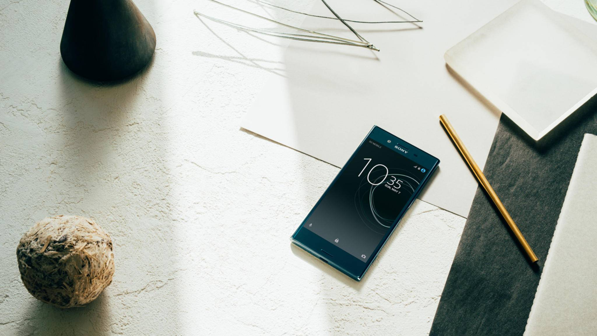 Das Sony Xperia XZ Premium wird noch mit Android Nougat ausgeliefert.