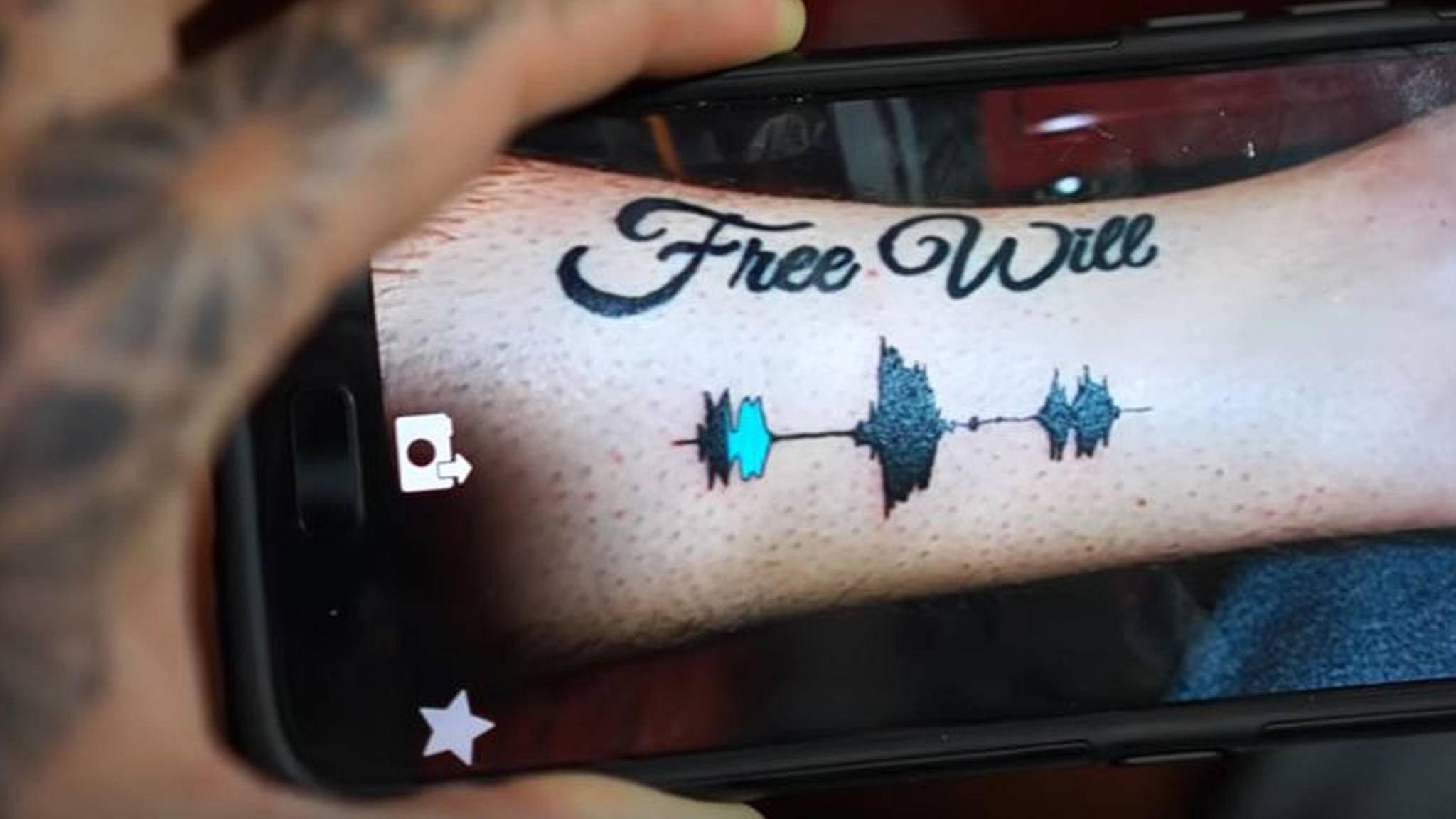 Dank der Skin-Motion-App kann dieses Tattoo sprechen.