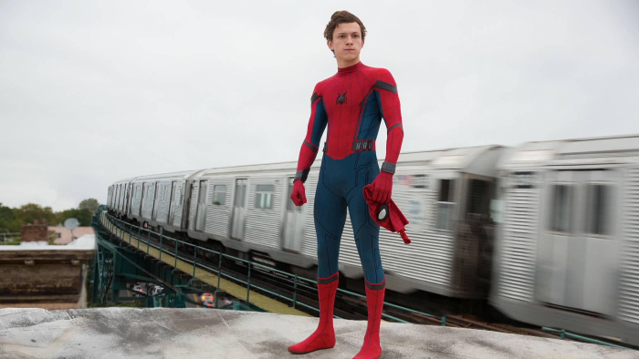 Spider-Mans geheime Identität ist im neuen Clip in Gefahr.