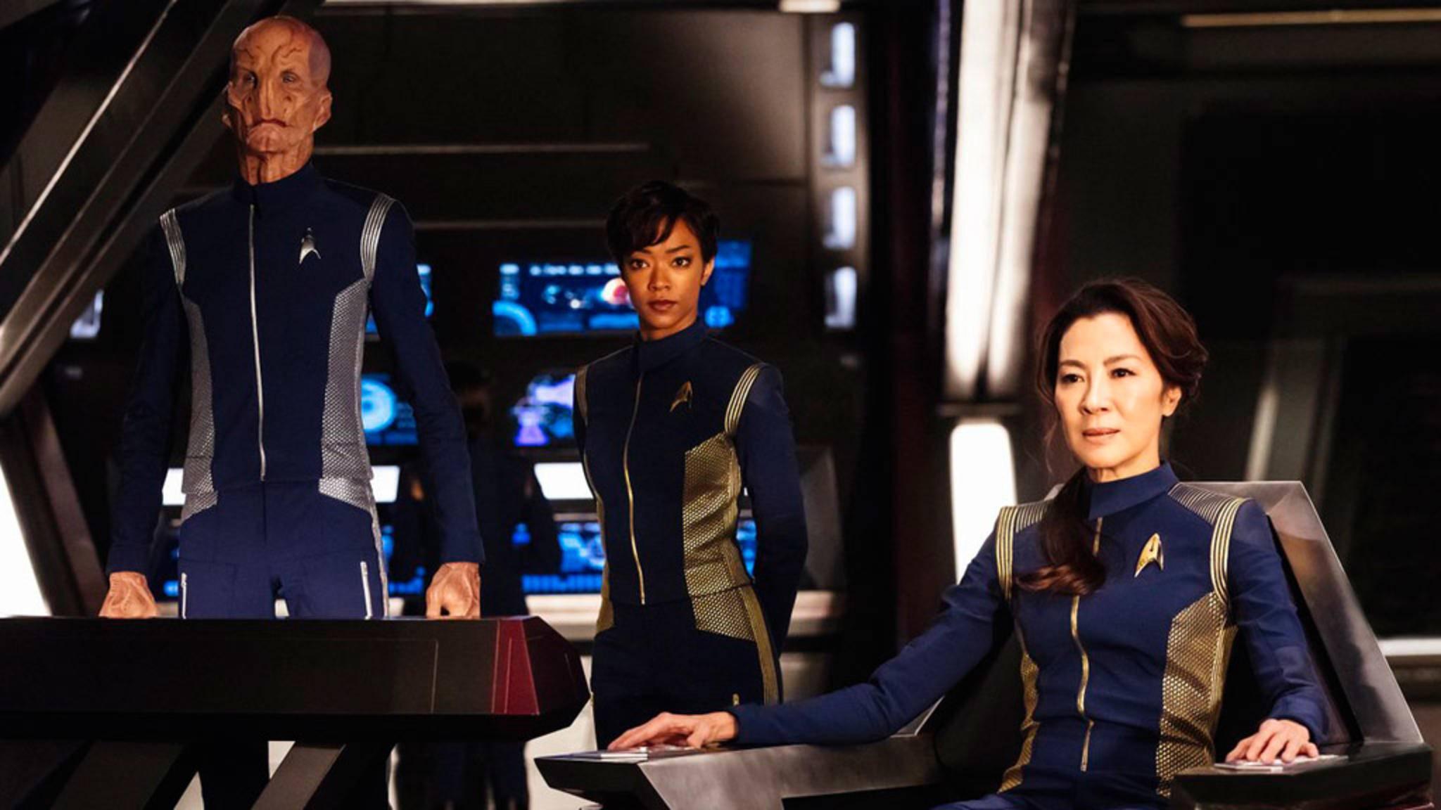 """Sonequa Martin-Green könnte als """"Nummer Eins"""" (Mitte) auf der Discovery Promi-Besuch bekommen."""