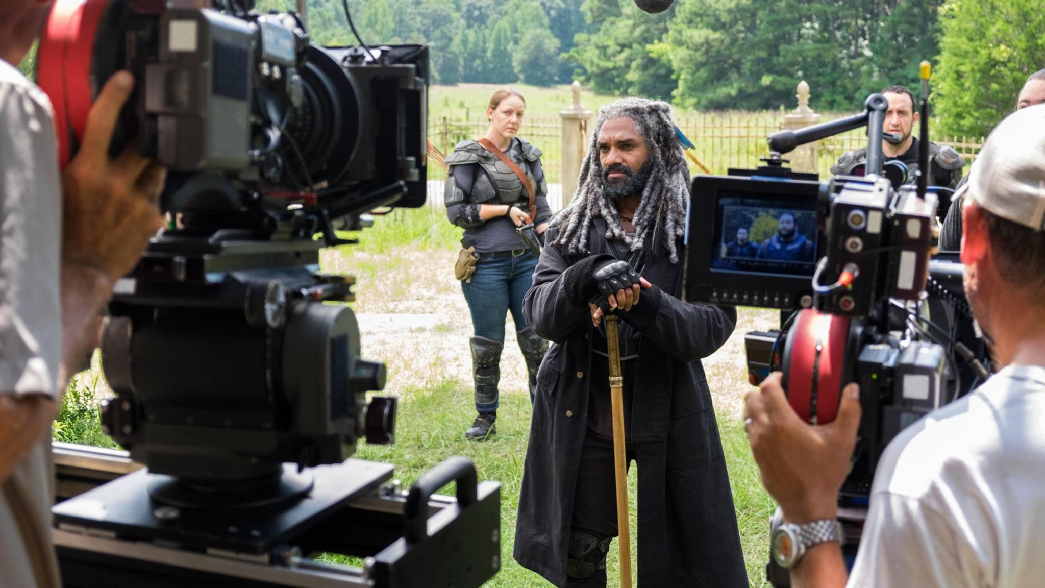 """Ezekiel (Khary Payton) verkündet: Die Dreharbeiten zu Staffel 8 von """"The Walking Dead"""" haben offiziell begonnen."""