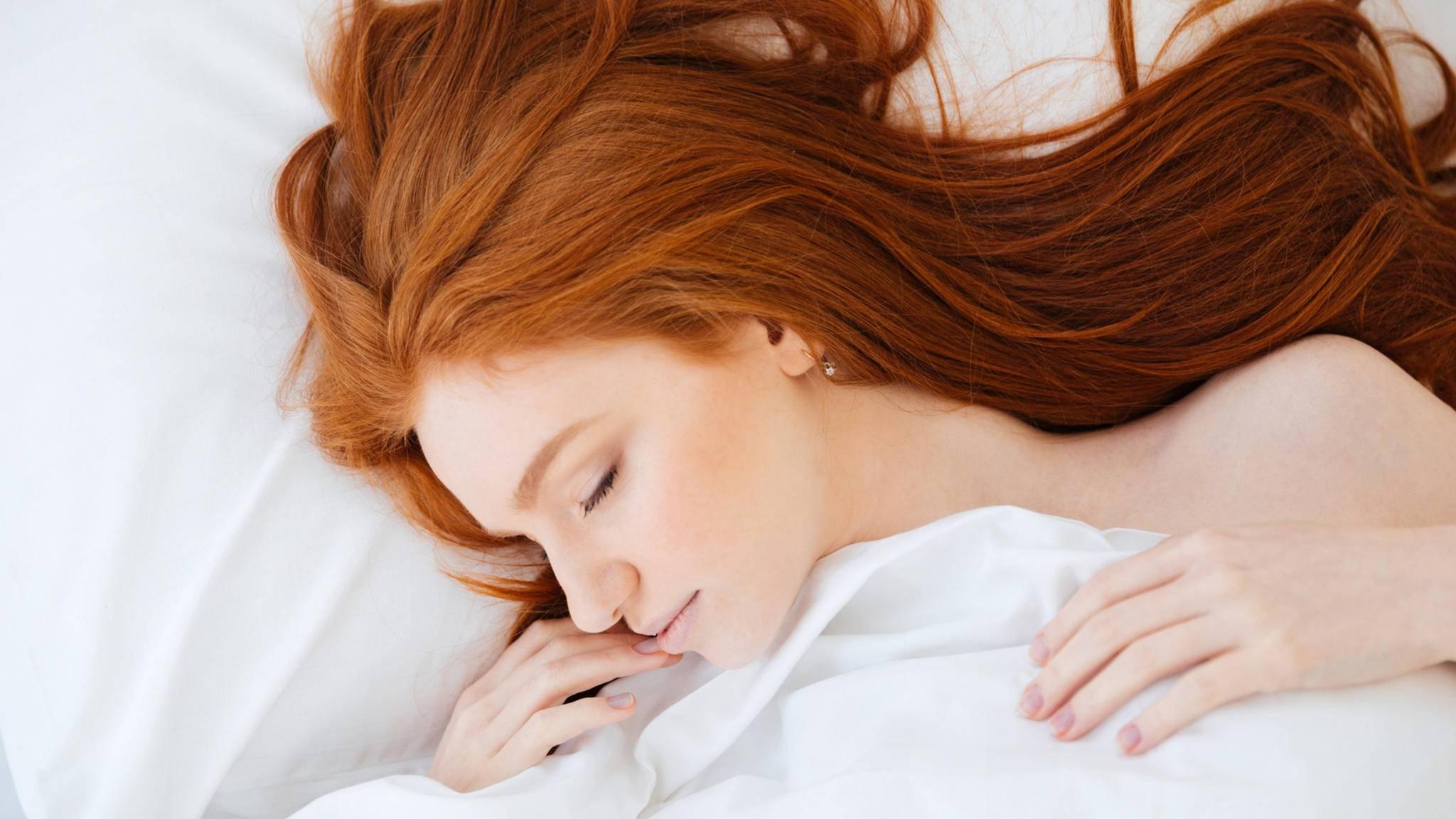 Bekommt der Körper zu wenig Schlaf, leidet offensichtlich die Attraktivität.