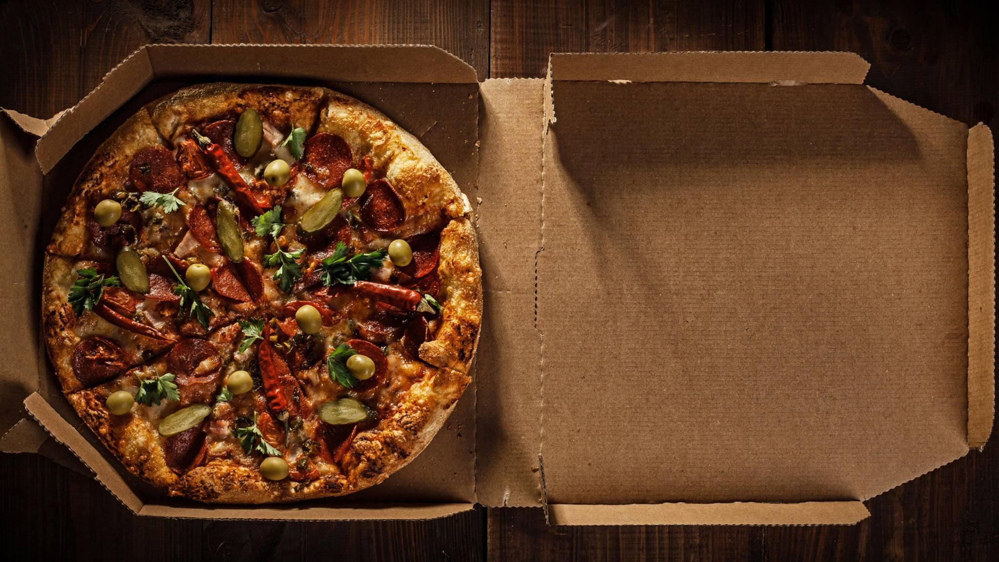 Apples Pizzaverpackung sieht anders aus als übliche Pizzakartons.