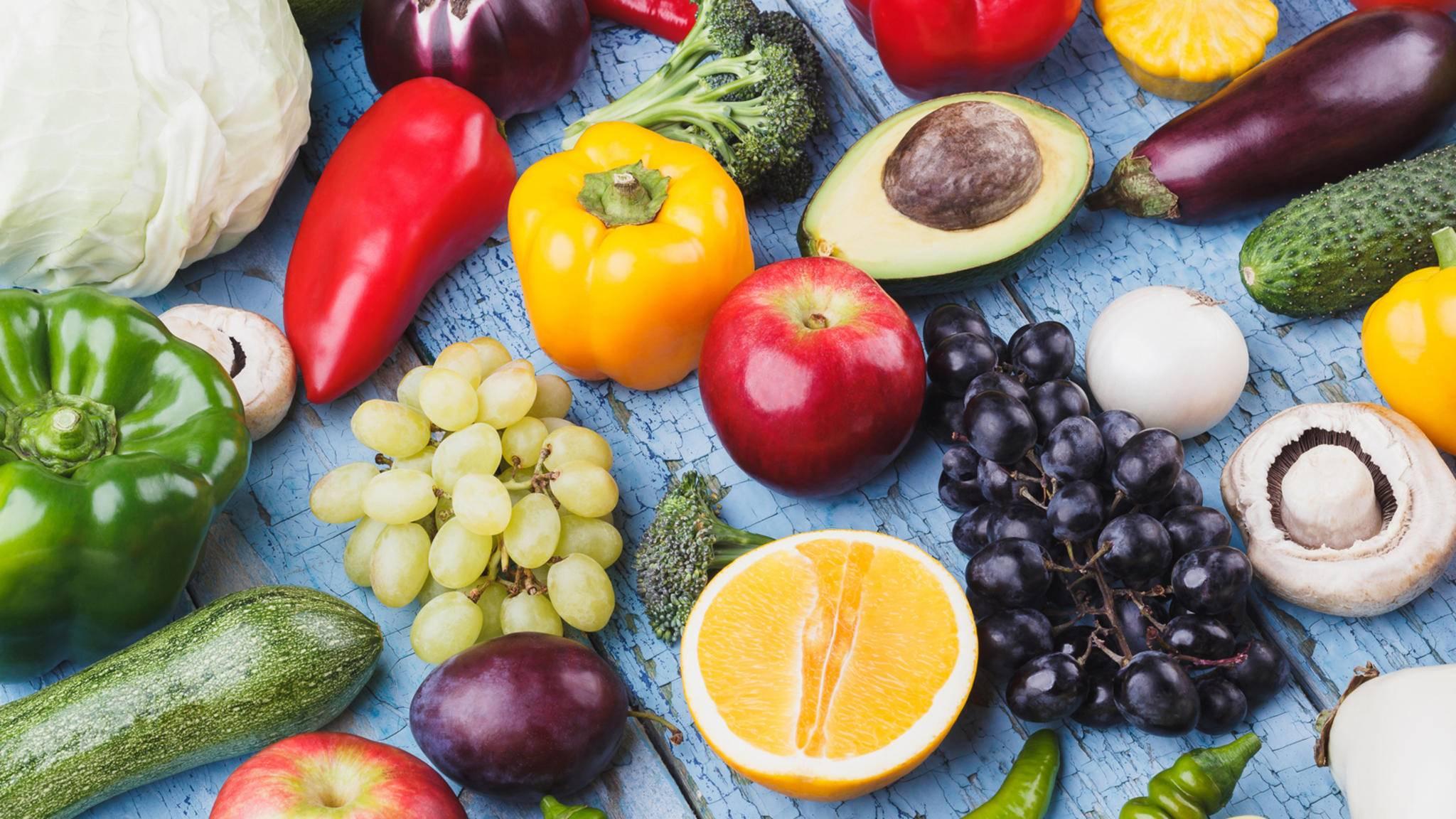 Weniger Fleisch, mehr Obst und Gemüse – so lautet das simple Fazit einer neuen Studie zum Thema Übergewicht.