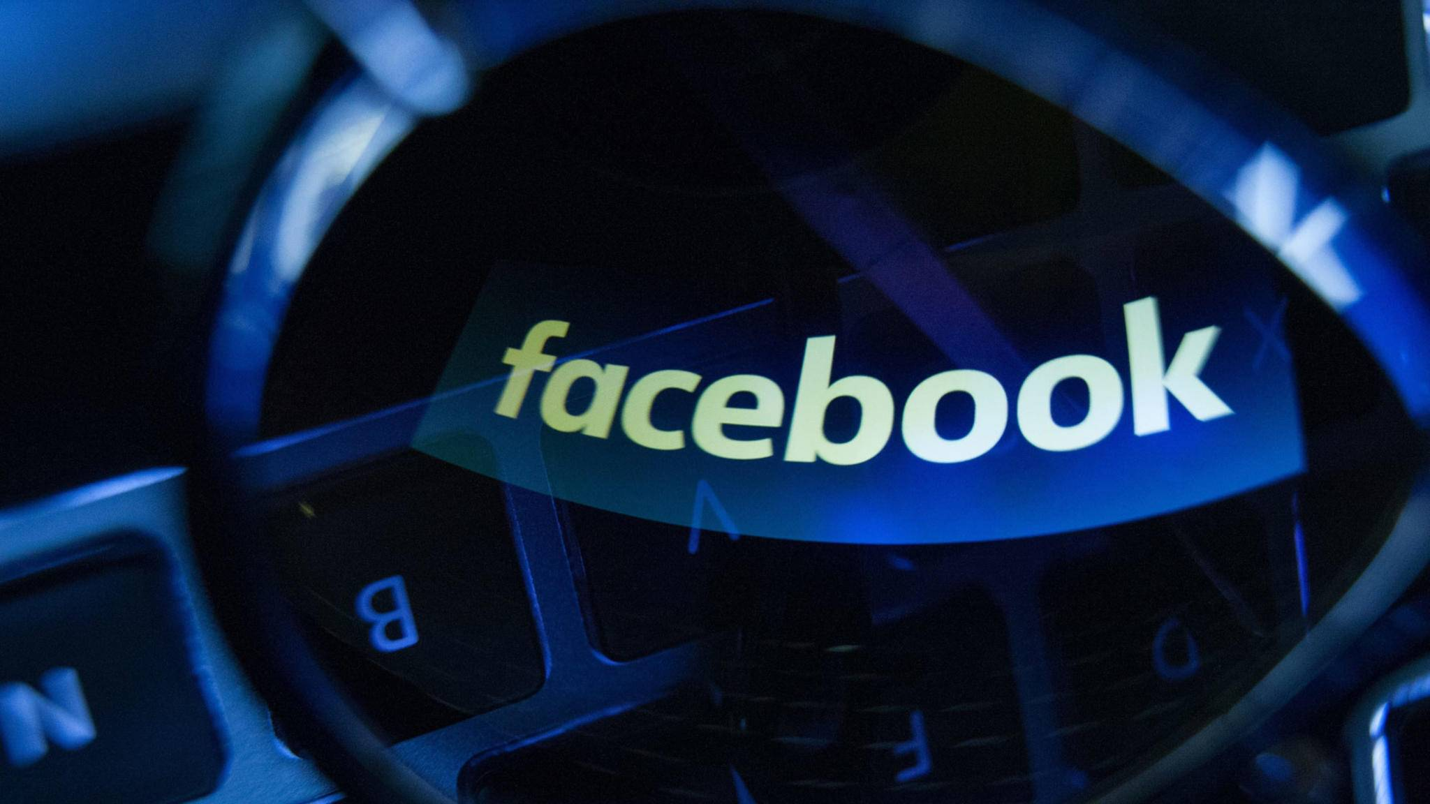 Facebook will angeblich auch ins Lautsprecher-Geschäft einsteigen.