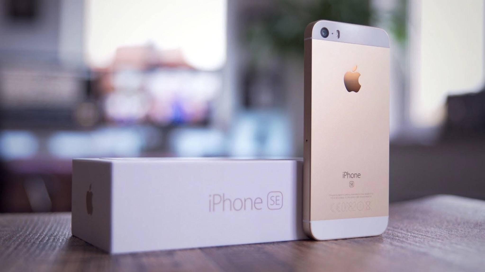 Es muss nicht immer riesig sein: Das iPhone SE überzeugt mit kompakter Displaydiagonale.