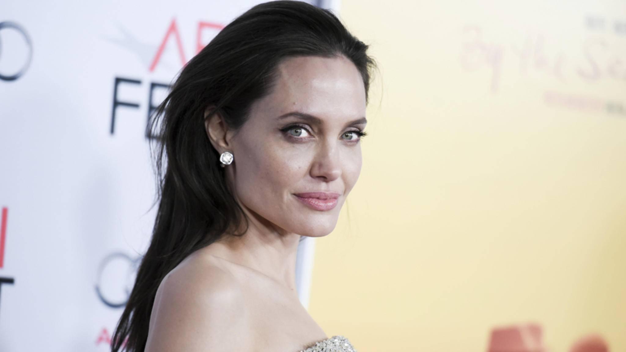 """Wandelt sich Angelina Jolie für """"X-Men: Dark Phoenix"""" zur Mutantin?"""