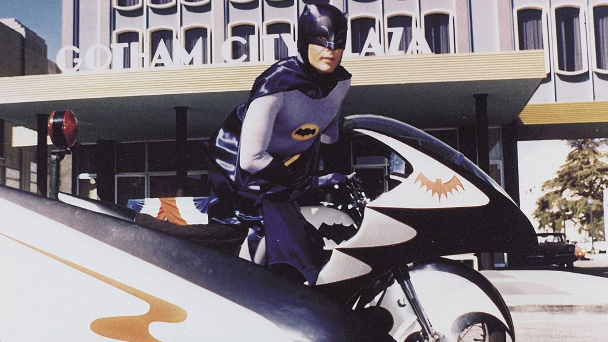 """So werden seine Fans """"Batman""""-Darsteller Adam West wohl auf ewig in Erinnerung behalten."""